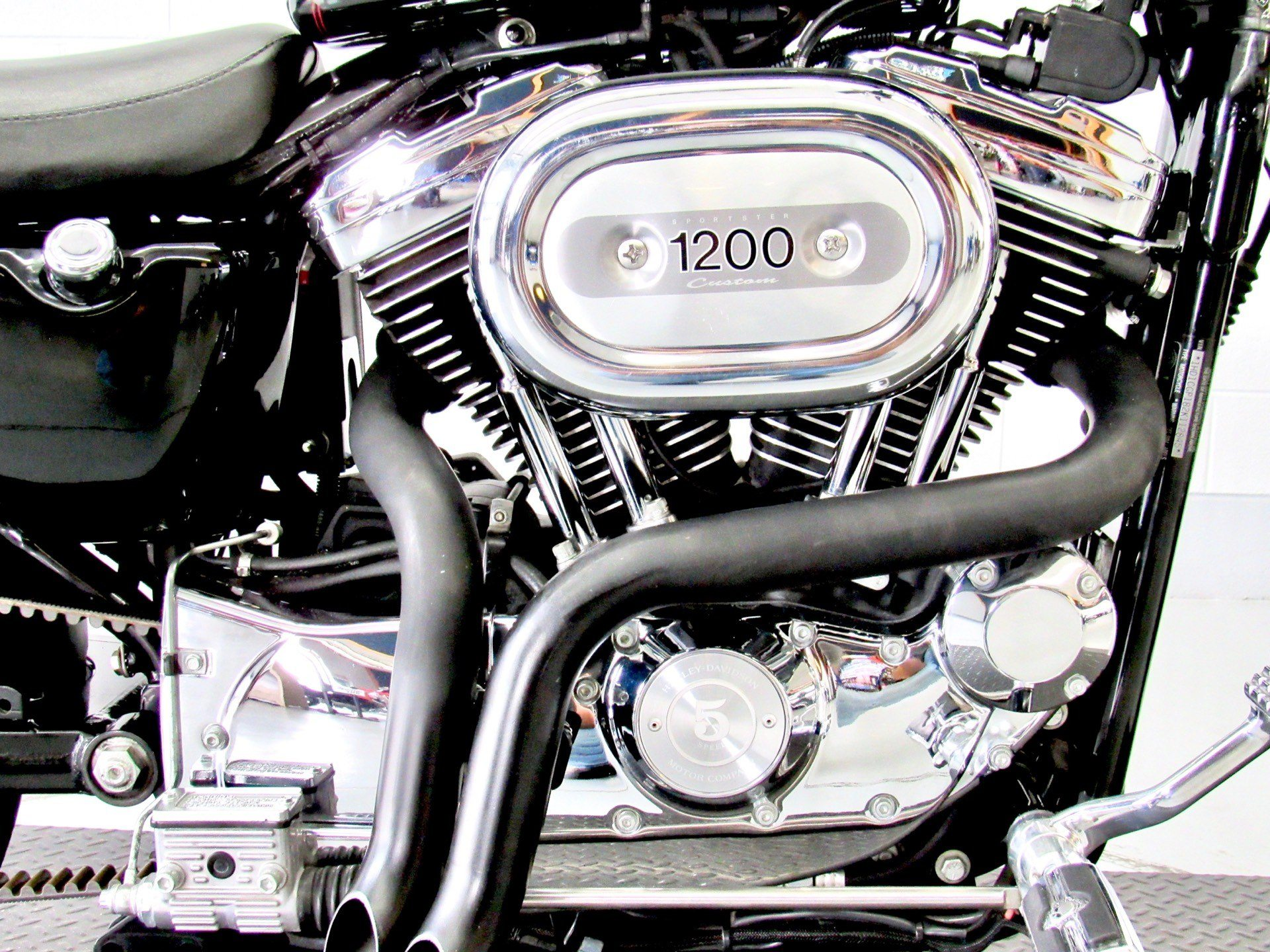 2002 Harley-Davidson XL 1200C Sportster® 1200 Custom in Fredericksburg, Virginia - Photo 14