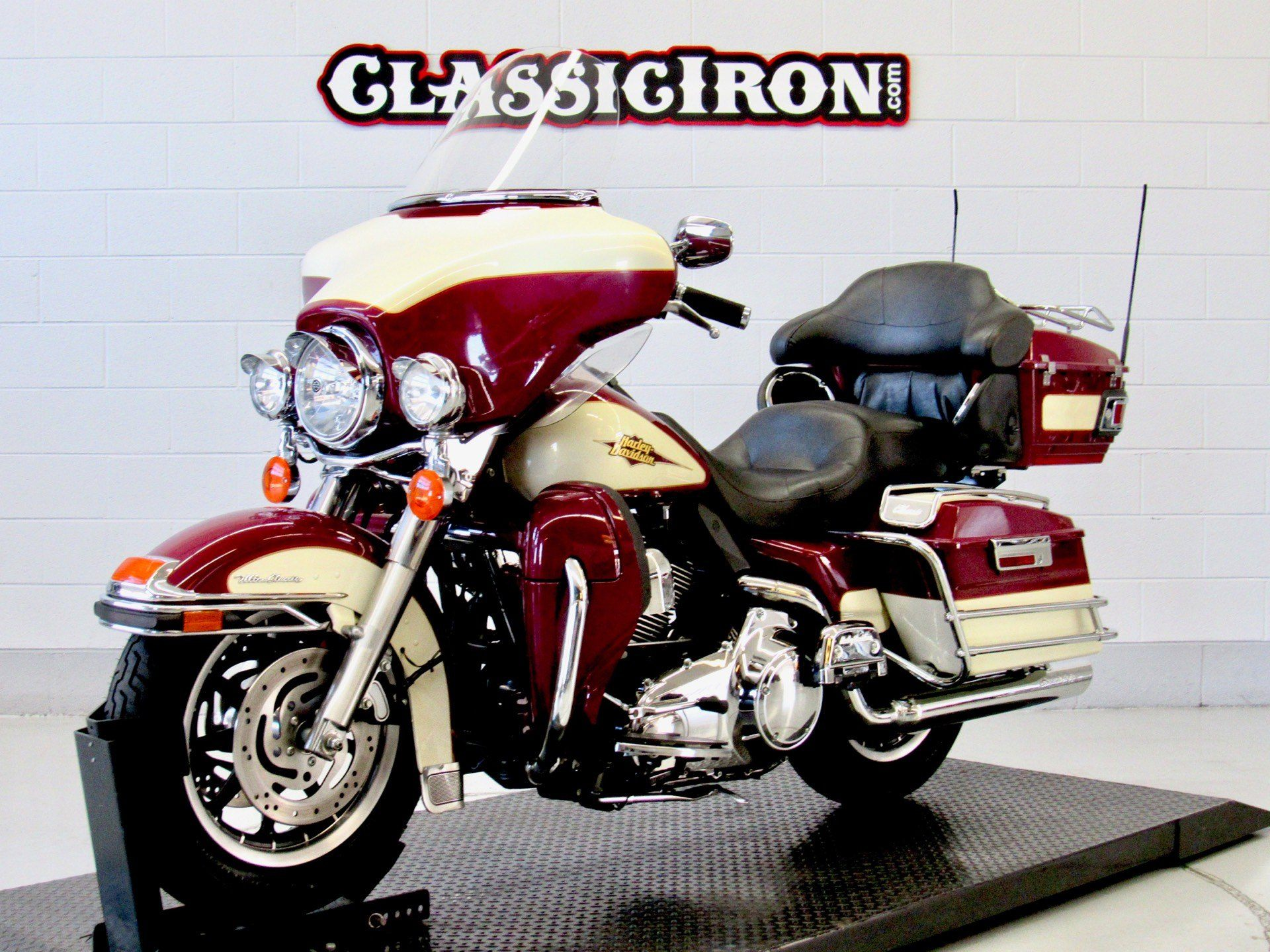 2007 Harley-Davidson Ultra Classic® Electra Glide® in Fredericksburg, Virginia - Photo 3