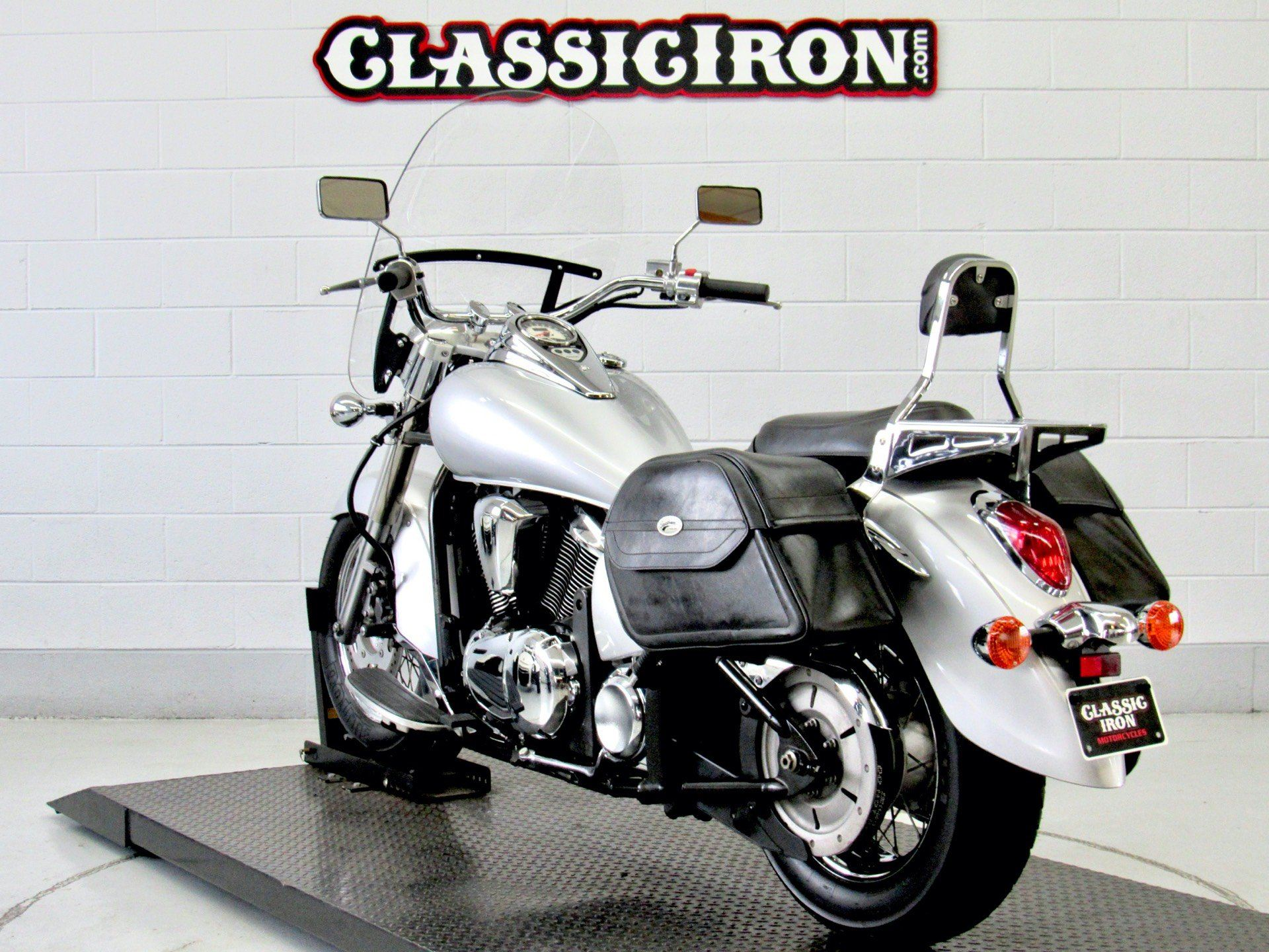 2006 Kawasaki Vulcan® 900 Classic in Fredericksburg, Virginia - Photo 6