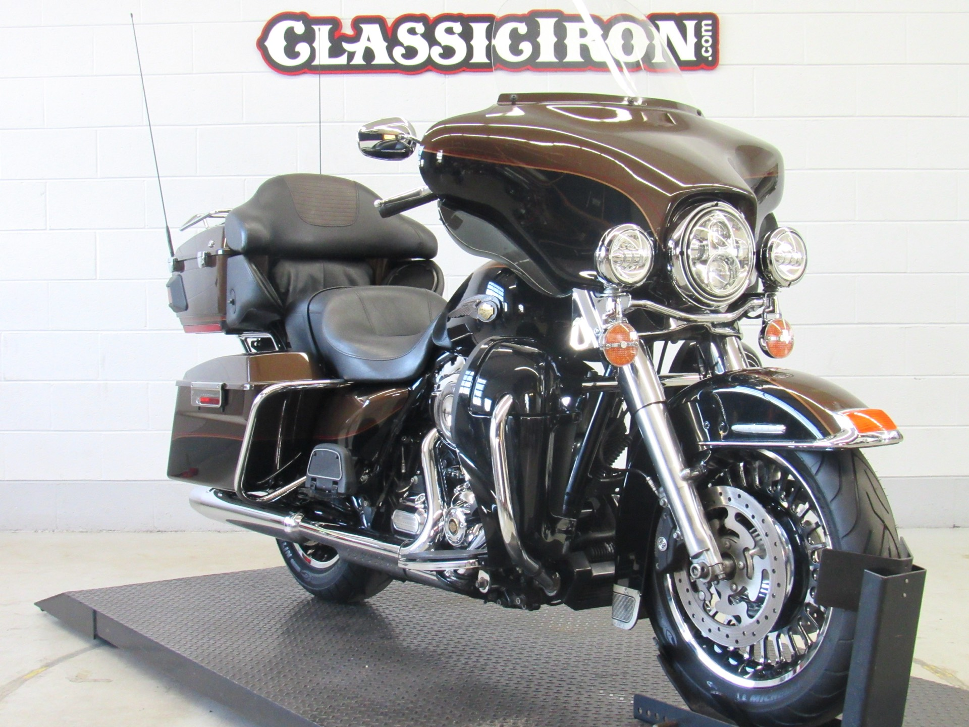 2013 Harley-Davidson Electra Glide® Ultra Limited 110th Anniversary Edition in Fredericksburg, Virginia - Photo 2