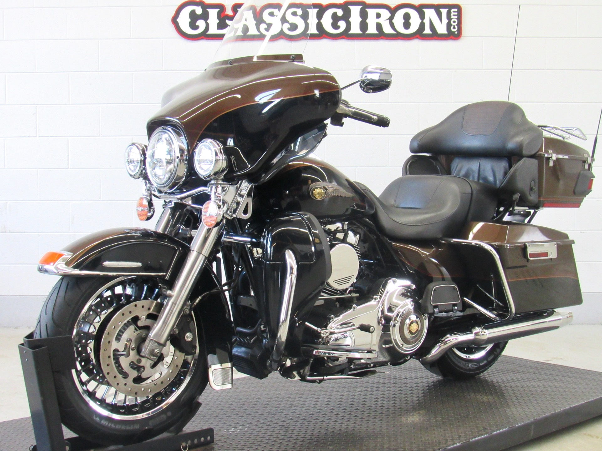 2013 Harley-Davidson Electra Glide® Ultra Limited 110th Anniversary Edition in Fredericksburg, Virginia - Photo 3