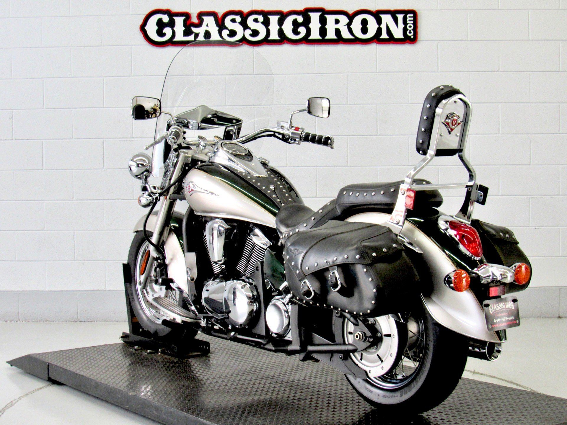 2010 Kawasaki Vulcan® 900 Classic LT in Fredericksburg, Virginia - Photo 6