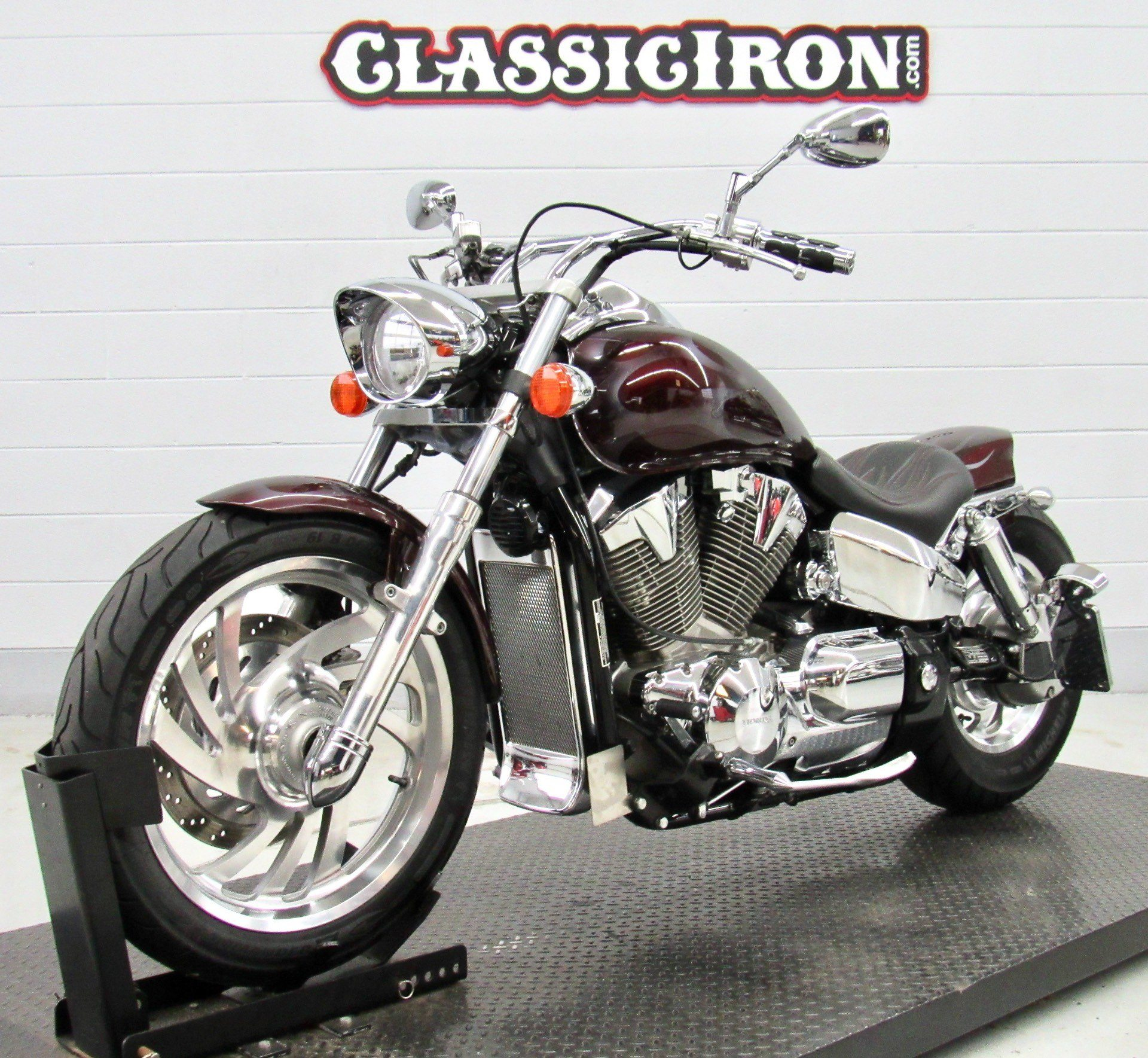 2005 Honda VTX™ 1300C in Fredericksburg, Virginia - Photo 3