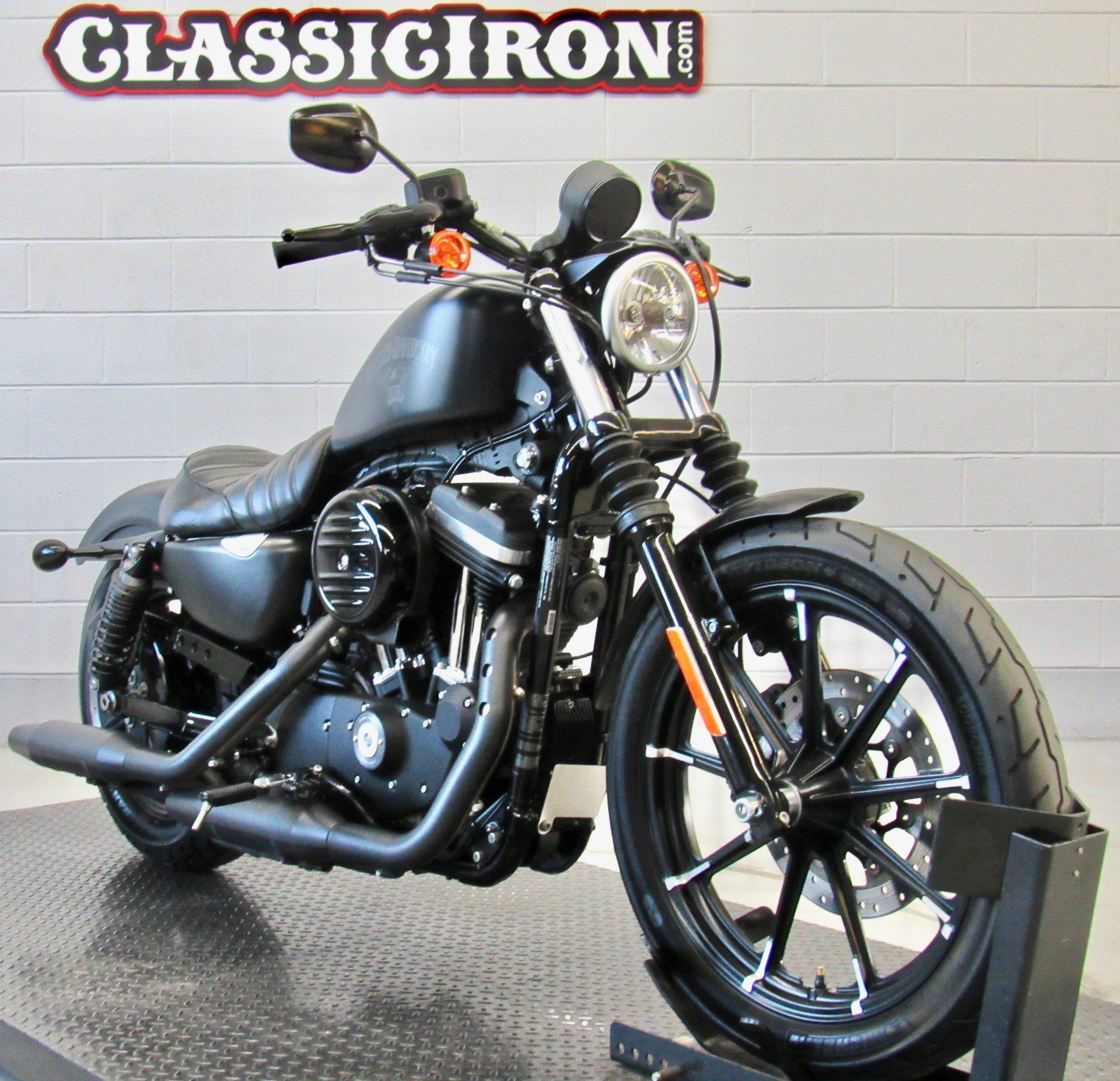 2017 Harley-Davidson Iron 883™ in Fredericksburg, Virginia - Photo 2