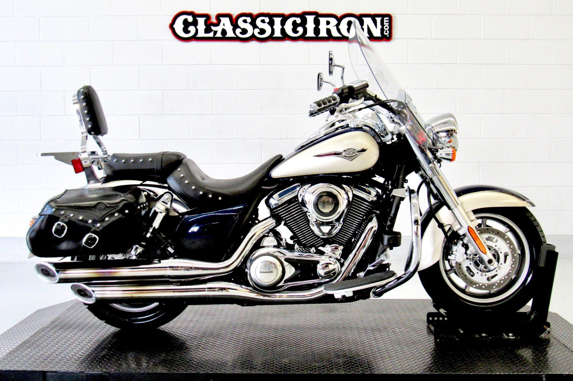 2009 Kawasaki Vulcan® 1700 Classic LT in Fredericksburg, Virginia - Photo 1