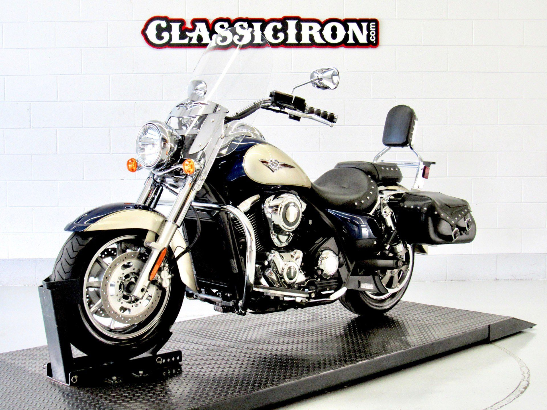 2009 Kawasaki Vulcan® 1700 Classic LT in Fredericksburg, Virginia - Photo 3