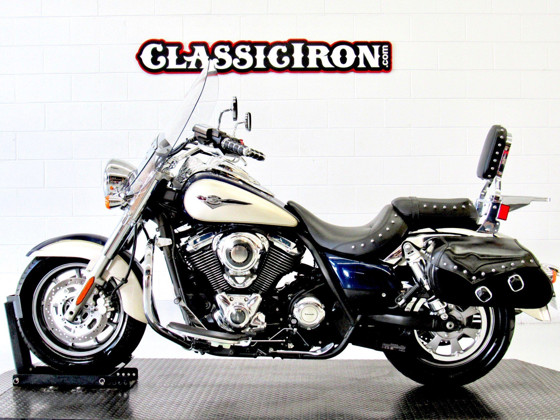 2009 Kawasaki Vulcan® 1700 Classic LT in Fredericksburg, Virginia - Photo 4