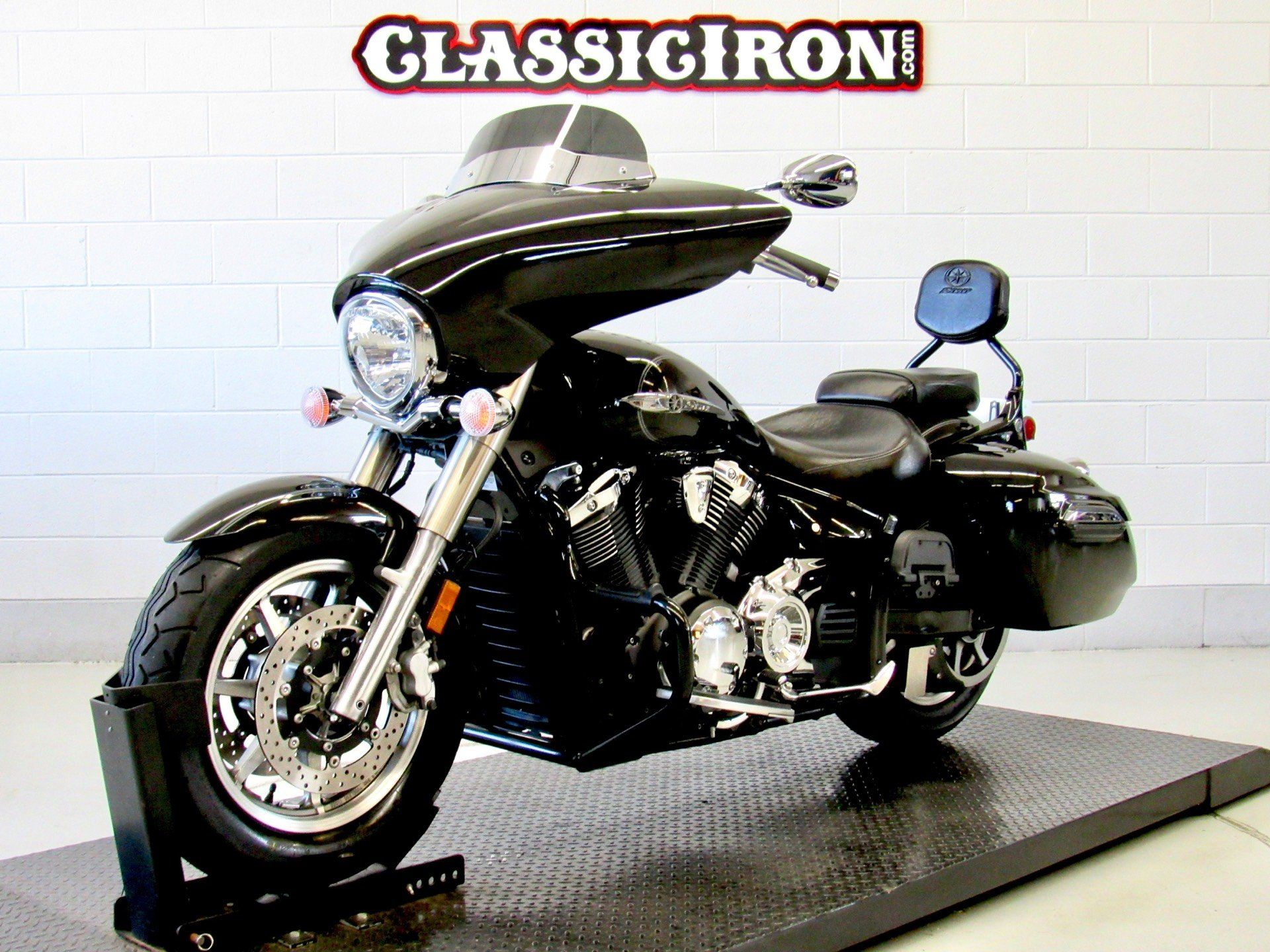2015 Yamaha V Star 1300 Deluxe in Fredericksburg, Virginia - Photo 3