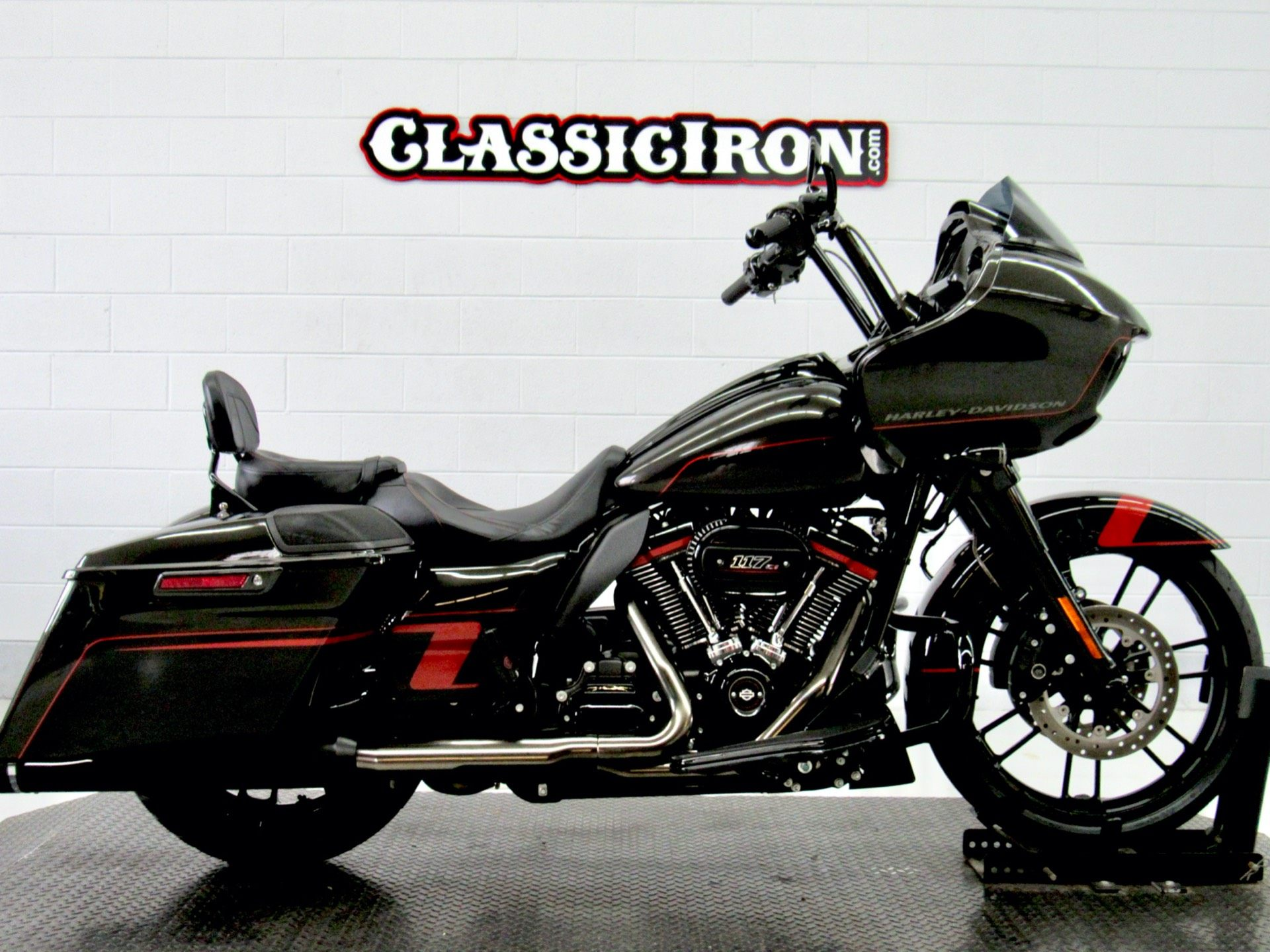 2018 Harley-Davidson CVO™ Road Glide® in Fredericksburg, Virginia - Photo 1