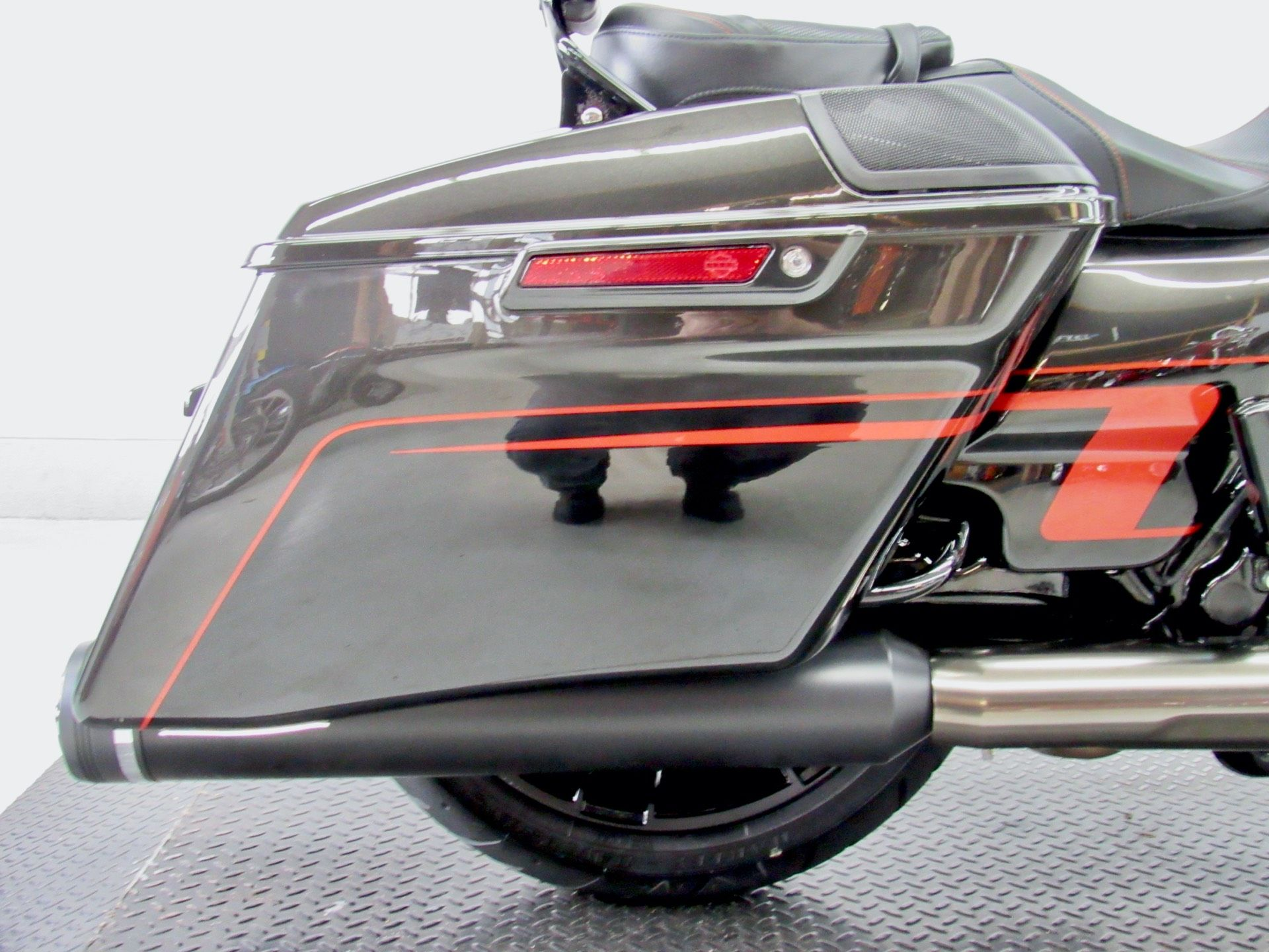 2018 Harley-Davidson CVO™ Road Glide® in Fredericksburg, Virginia - Photo 15