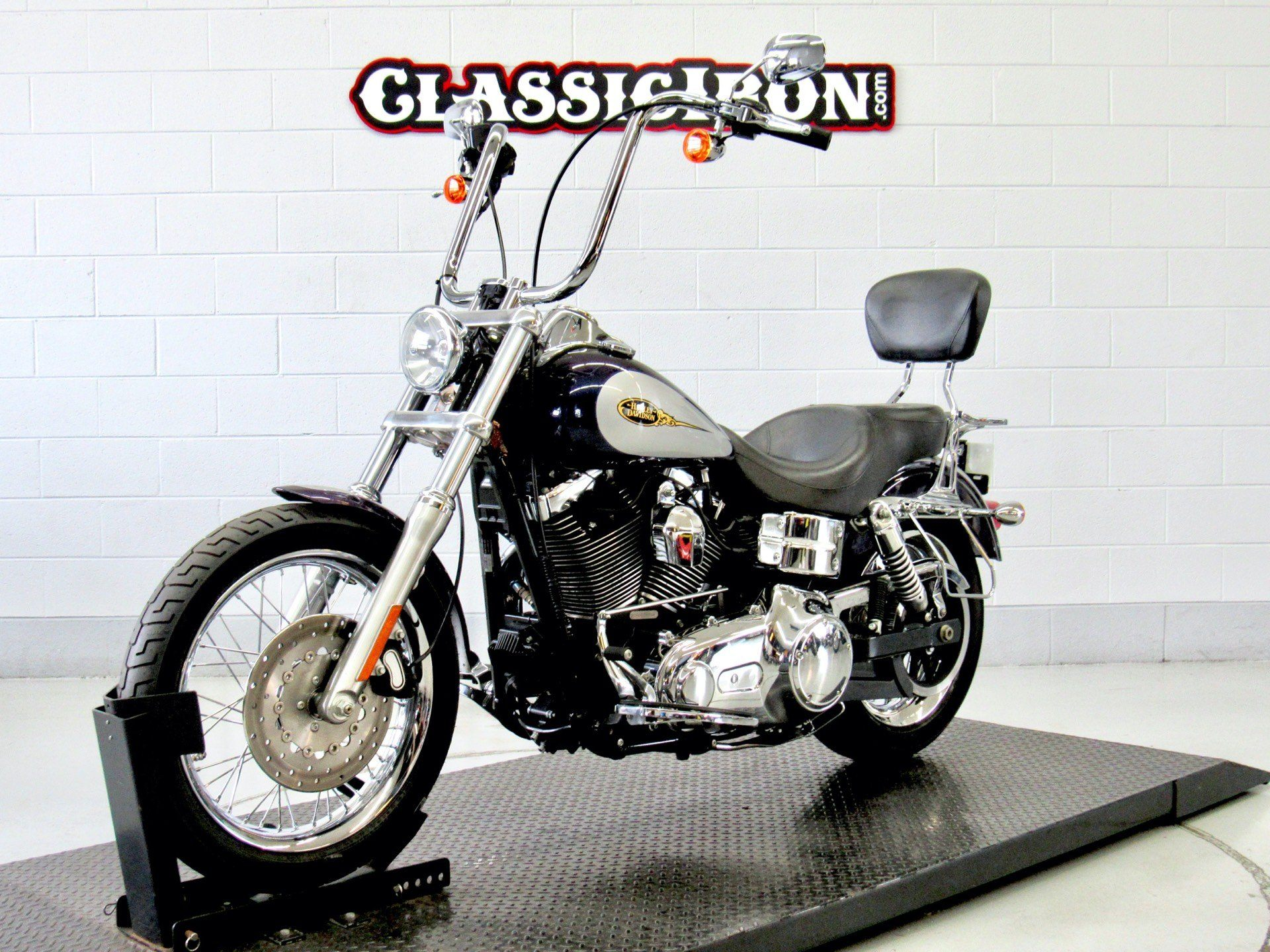 2009 Harley-Davidson Dyna® Low Rider® in Fredericksburg, Virginia - Photo 3