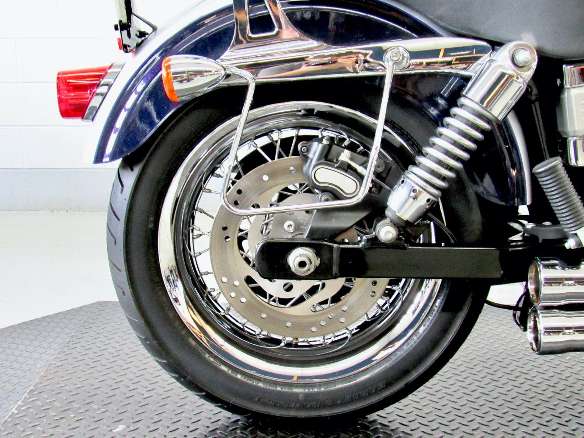 2009 Harley-Davidson Dyna® Low Rider® in Fredericksburg, Virginia - Photo 15