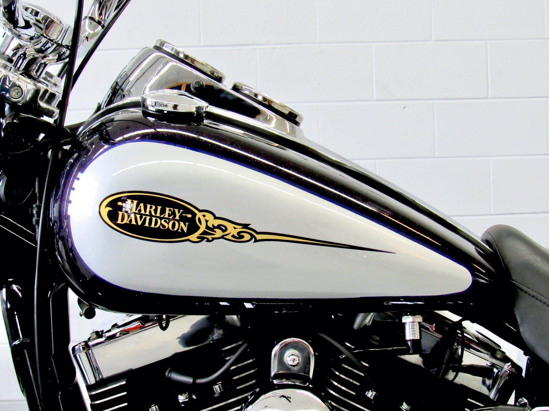 2009 Harley-Davidson Dyna® Low Rider® in Fredericksburg, Virginia - Photo 18