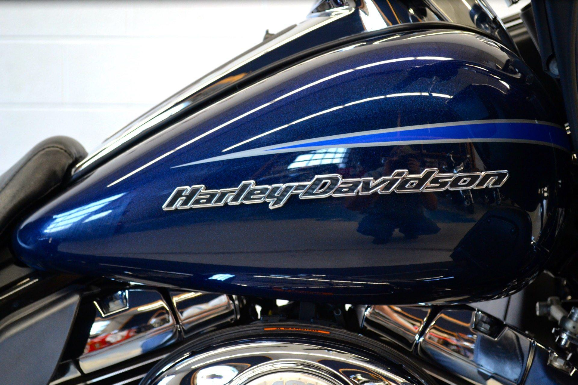 2013 Harley-Davidson Road Glide® Ultra in Fredericksburg, Virginia - Photo 13