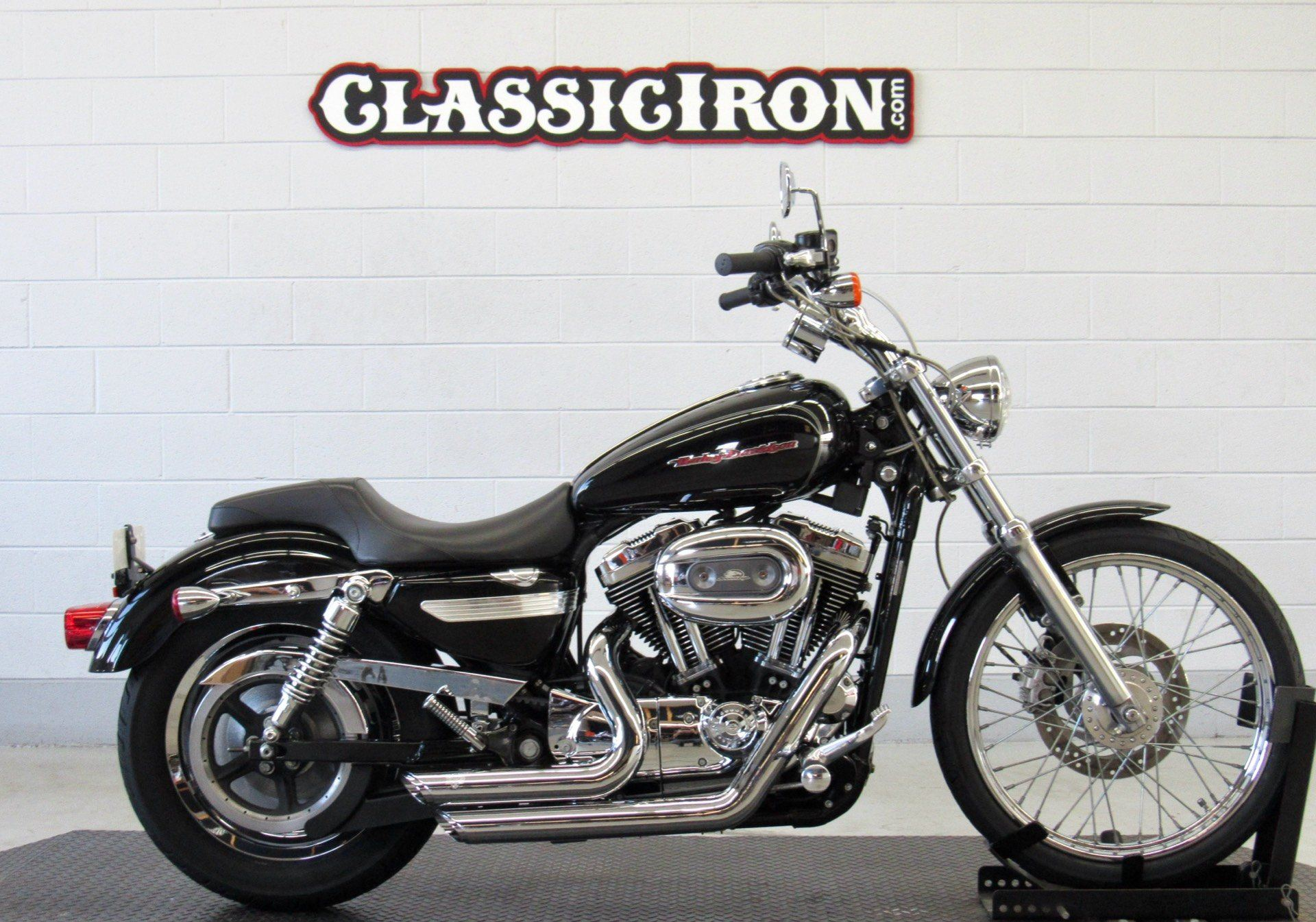 2004 Harley-Davidson Sportster® XL 1200 Custom in Fredericksburg, Virginia - Photo 1