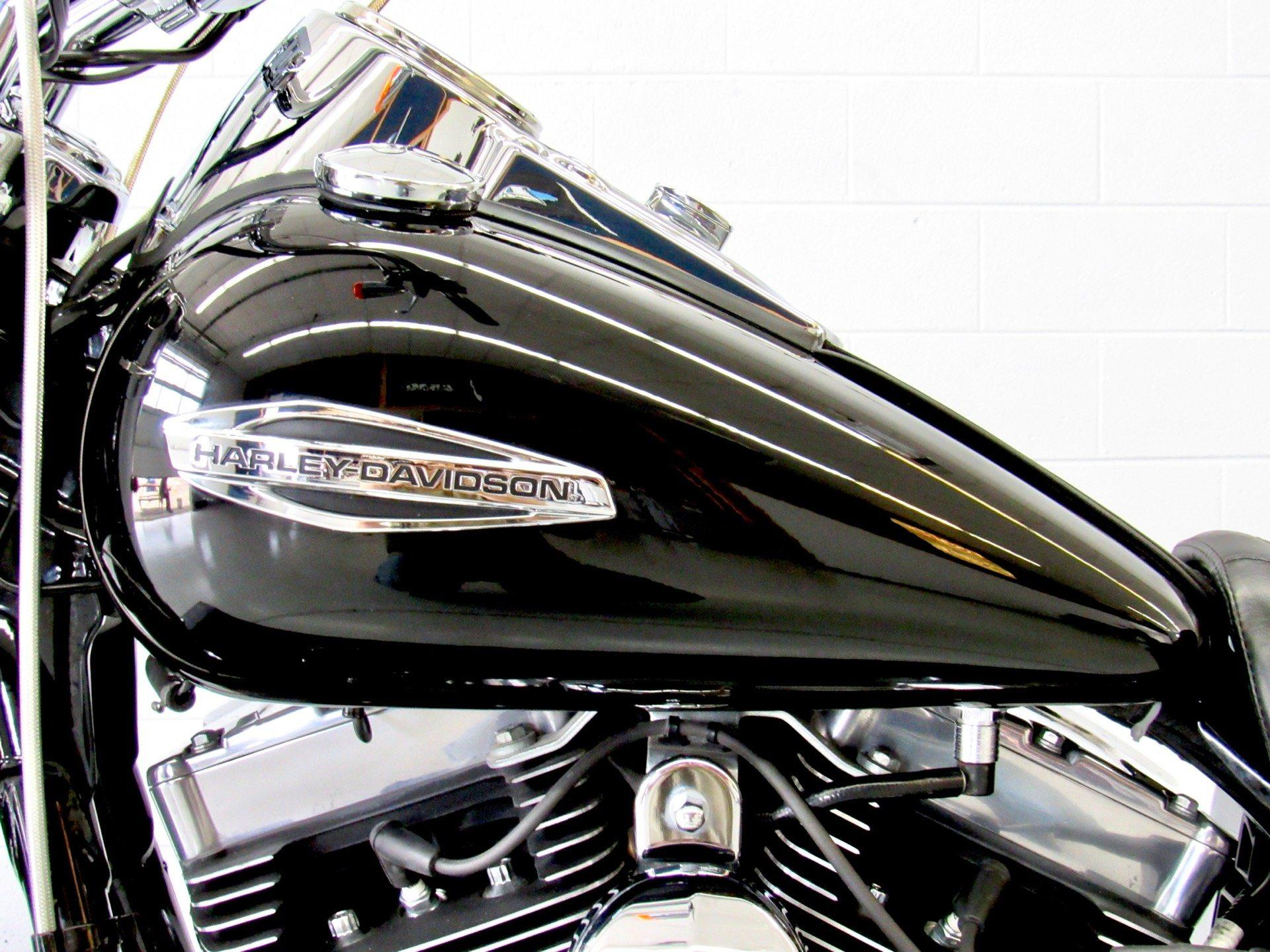 2013 Harley-Davidson Dyna® Switchback™ in Fredericksburg, Virginia - Photo 18