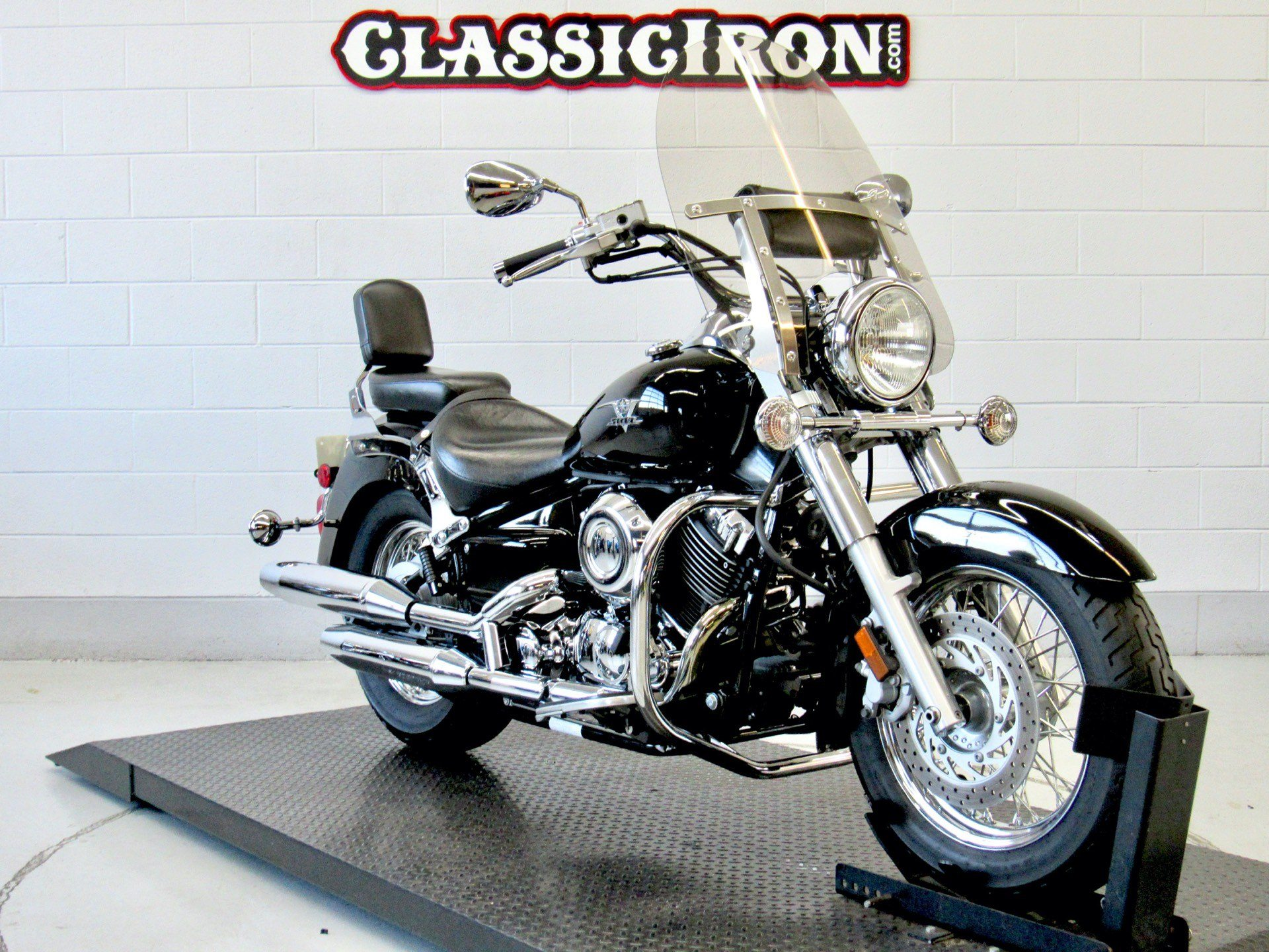 2007 Yamaha V Star® Classic in Fredericksburg, Virginia - Photo 2