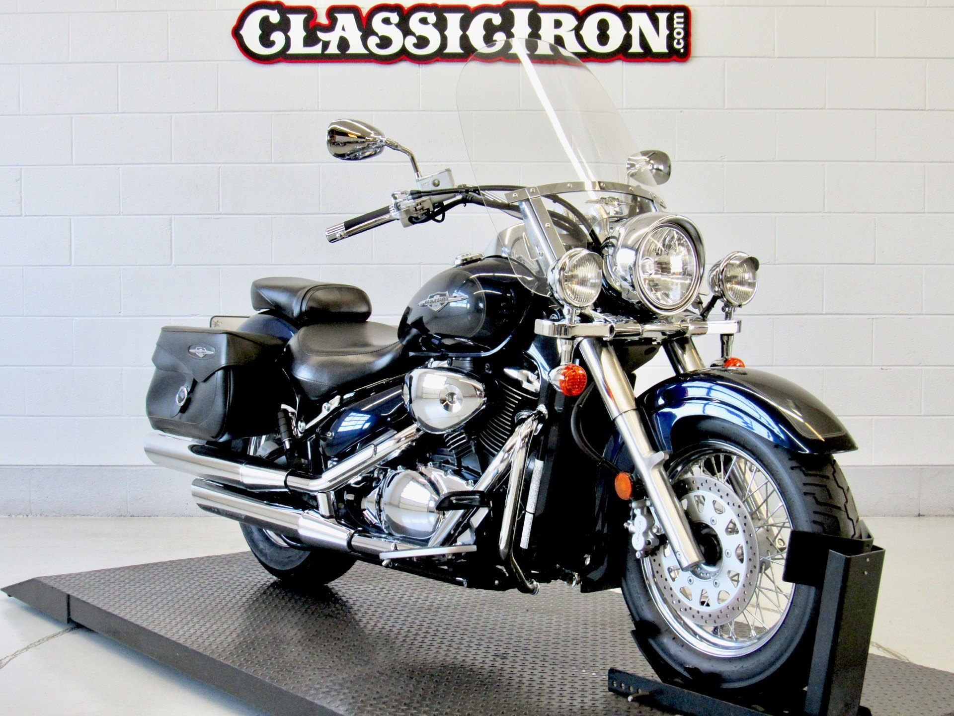 2006 Suzuki Boulevard C50T in Fredericksburg, Virginia - Photo 2
