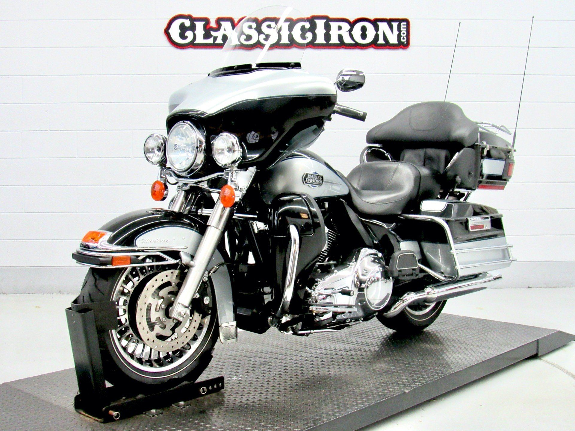 2013 Harley-Davidson Ultra Classic® Electra Glide® in Fredericksburg, Virginia - Photo 3