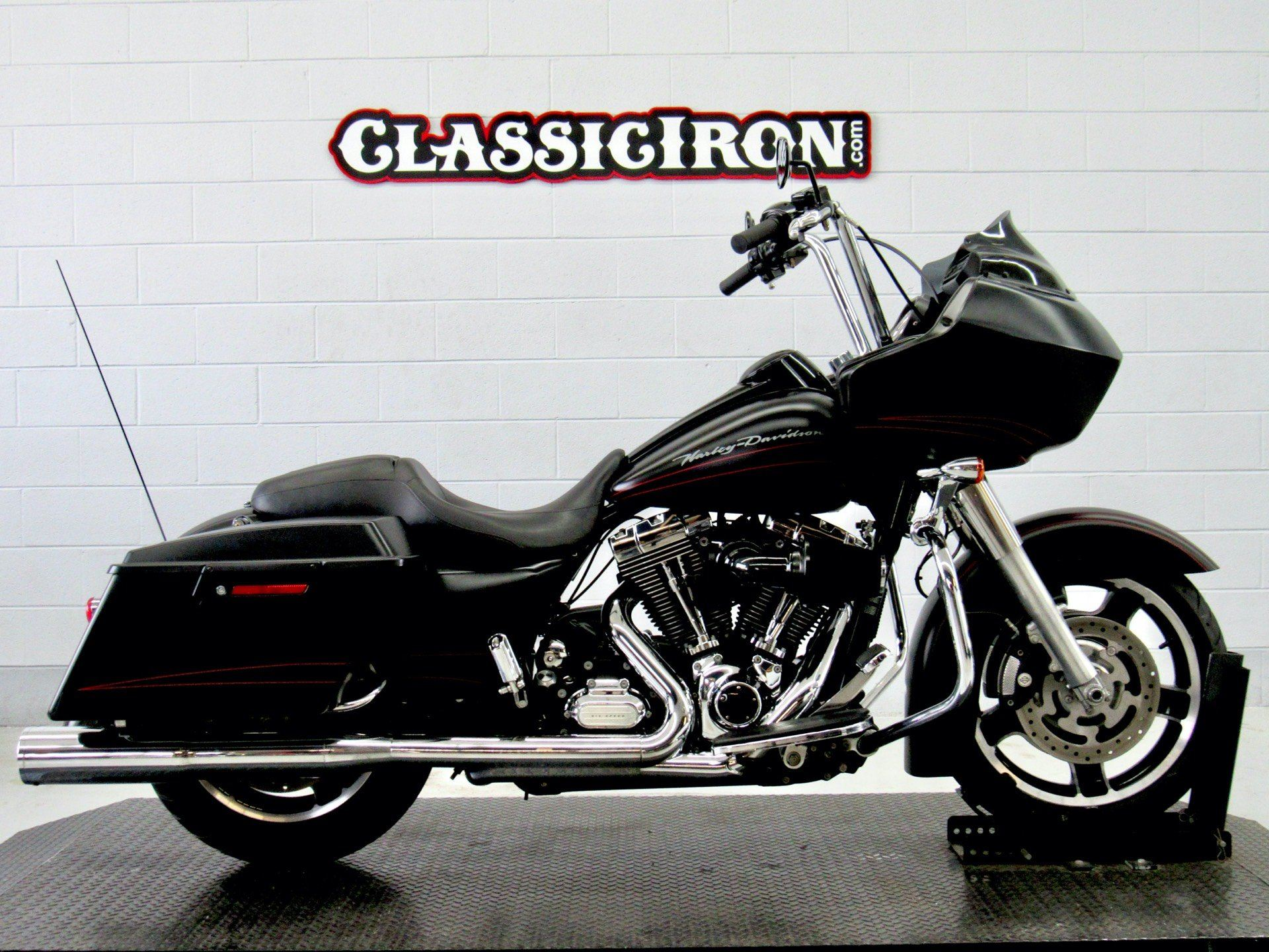 2011 Harley-Davidson Road Glide® Custom in Fredericksburg, Virginia - Photo 1