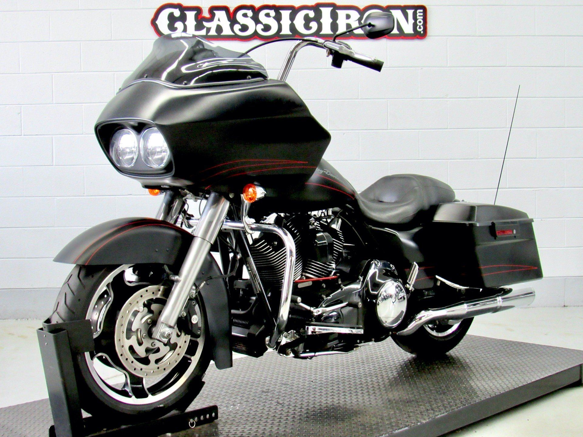2011 Harley-Davidson Road Glide® Custom in Fredericksburg, Virginia - Photo 3