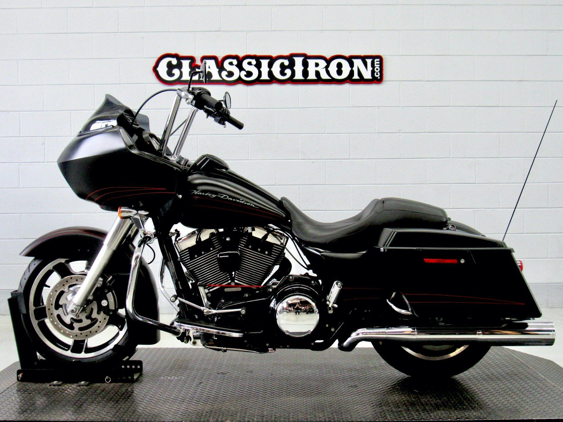 2011 Harley-Davidson Road Glide® Custom in Fredericksburg, Virginia - Photo 4