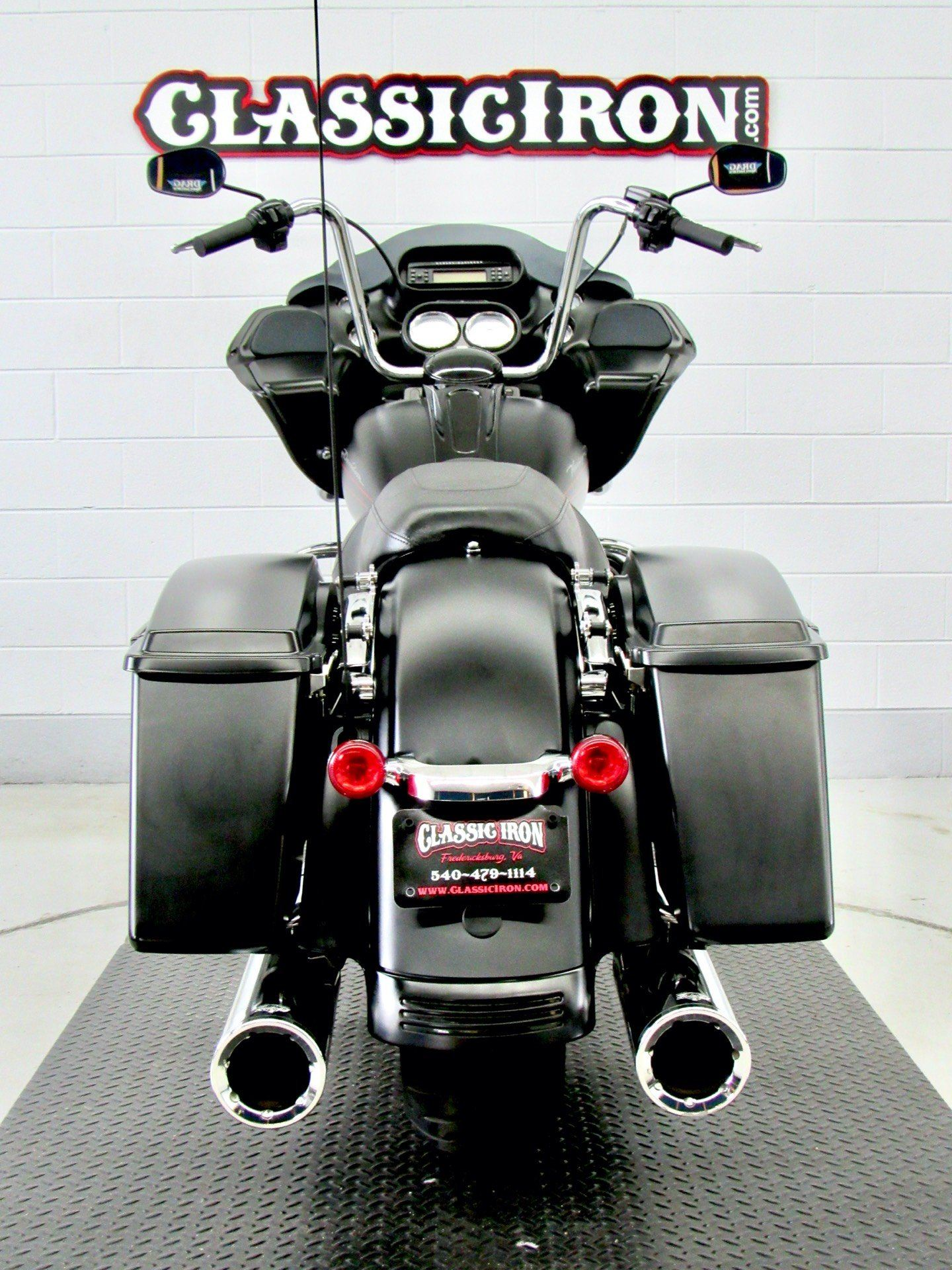 2011 Harley-Davidson Road Glide® Custom in Fredericksburg, Virginia - Photo 9