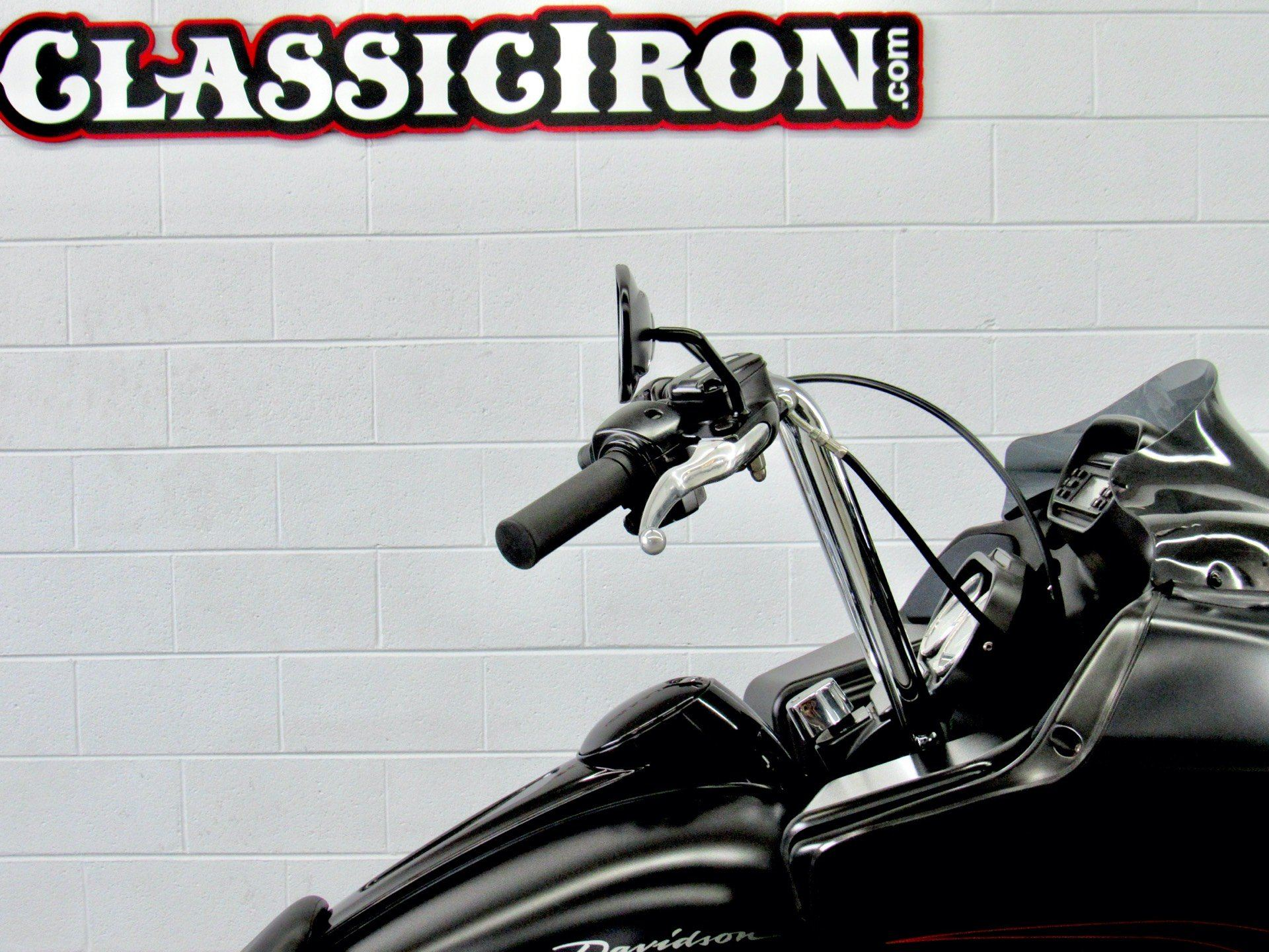 2011 Harley-Davidson Road Glide® Custom in Fredericksburg, Virginia - Photo 12