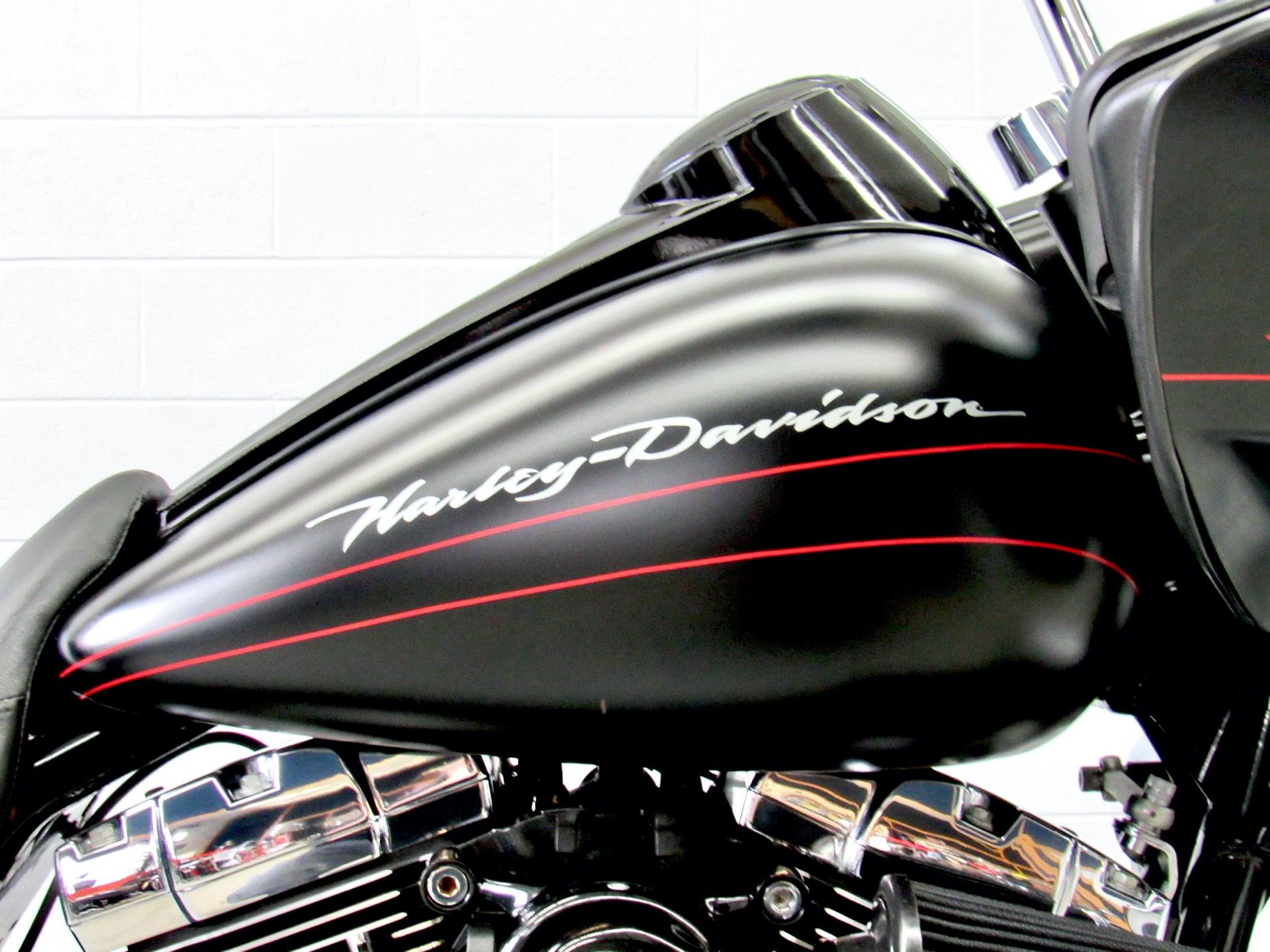 2011 Harley-Davidson Road Glide® Custom in Fredericksburg, Virginia - Photo 13