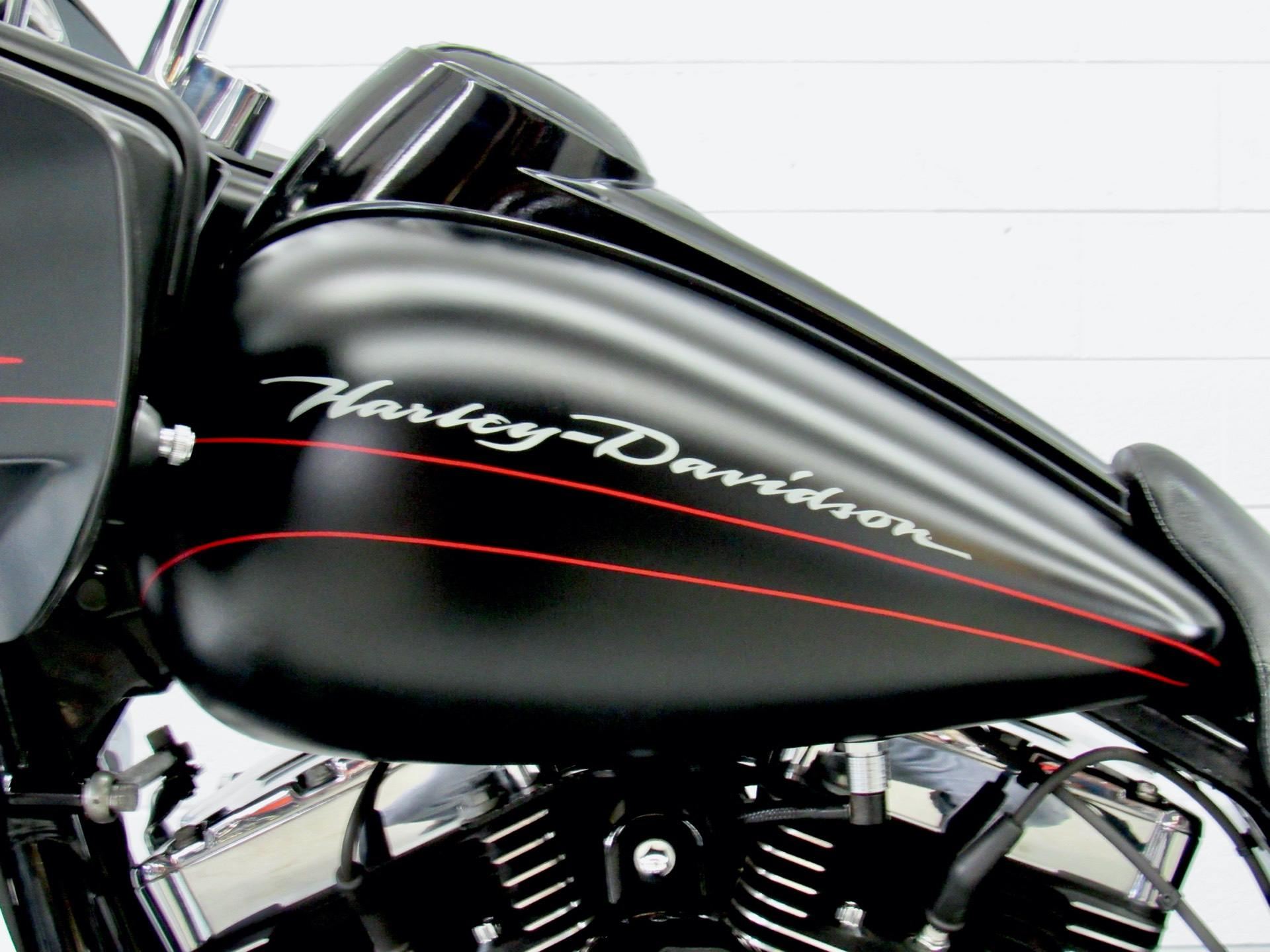 2011 Harley-Davidson Road Glide® Custom in Fredericksburg, Virginia - Photo 18