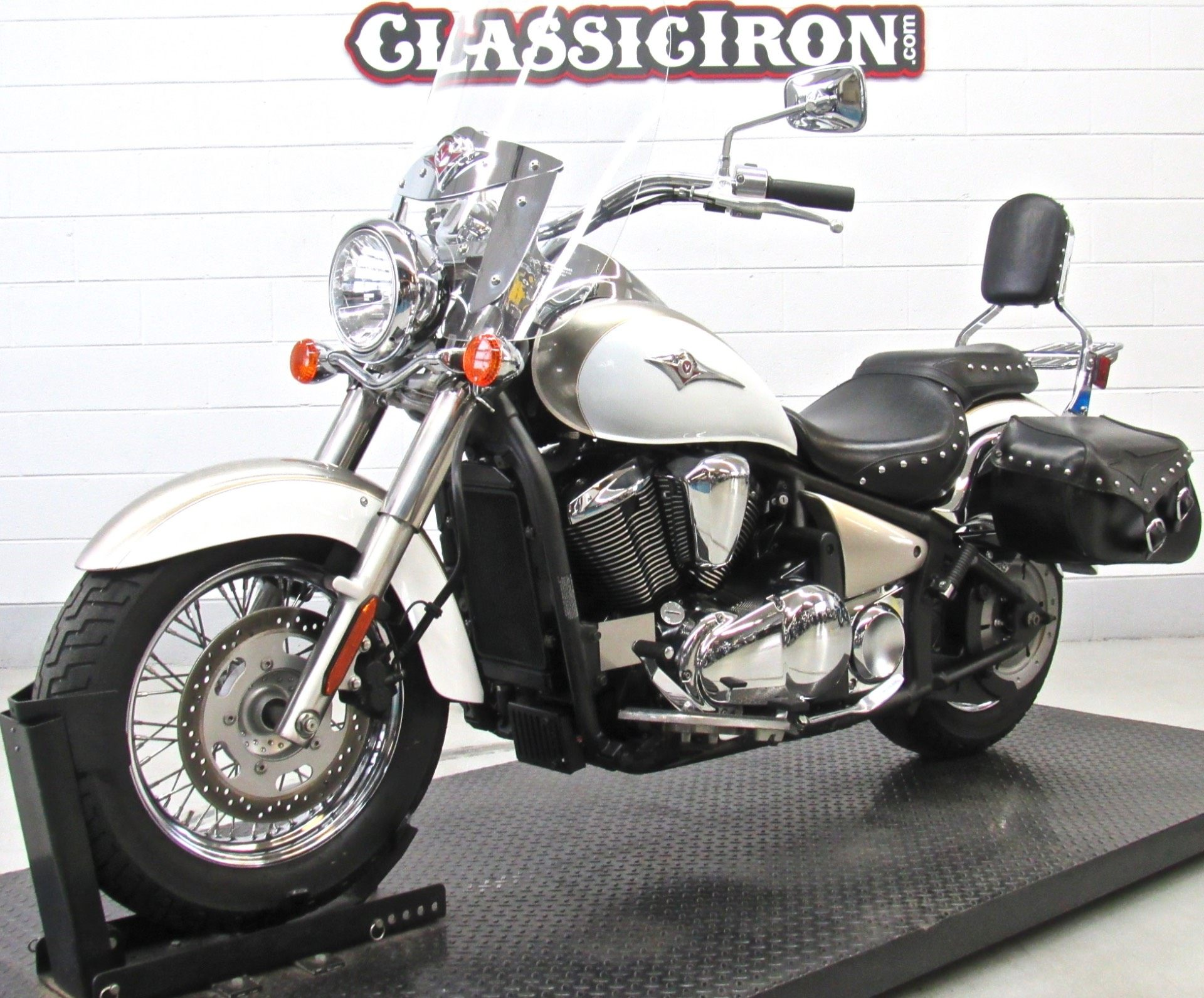 2009 Kawasaki Vulcan® 900 Classic LT in Fredericksburg, Virginia - Photo 3