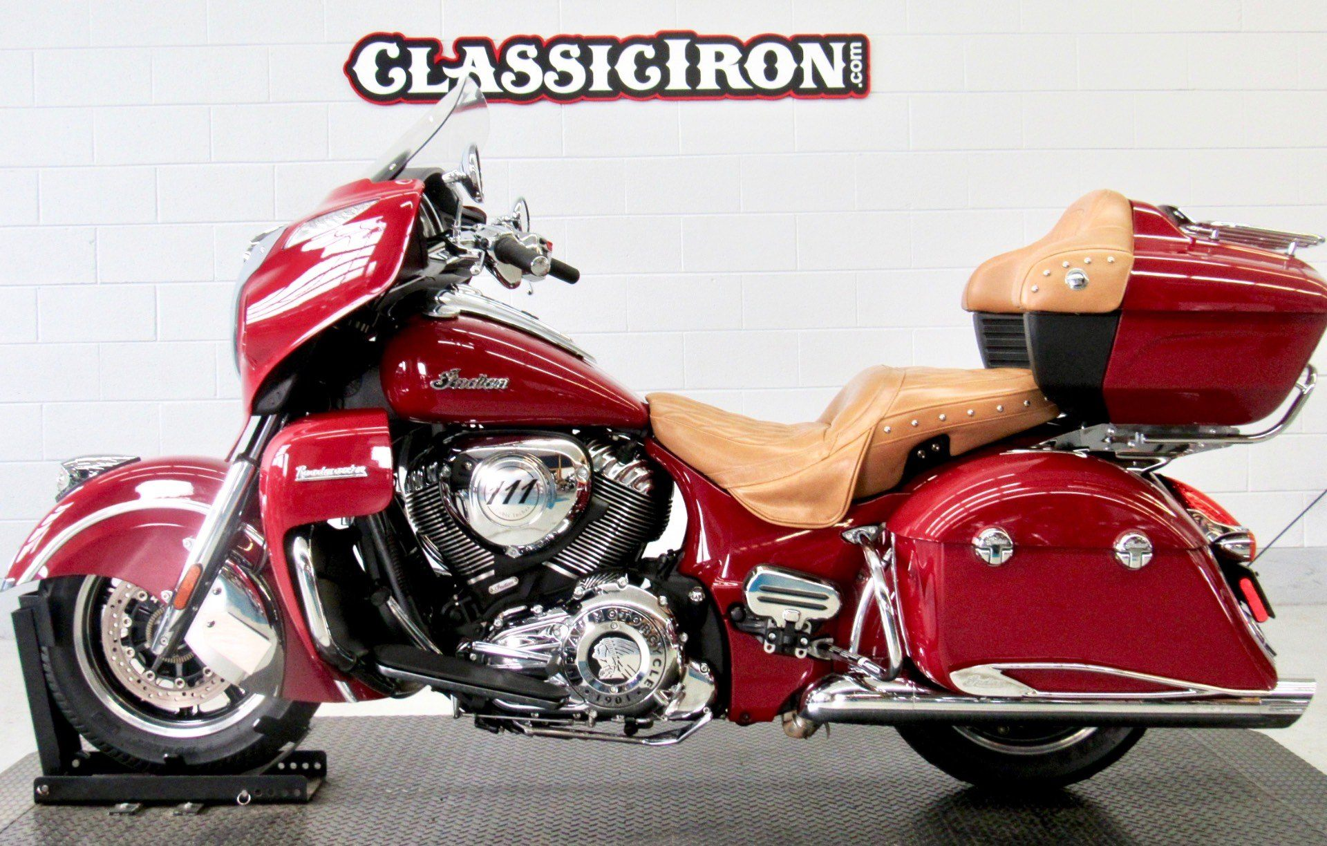 2015 Indian Roadmaster™ in Fredericksburg, Virginia - Photo 4