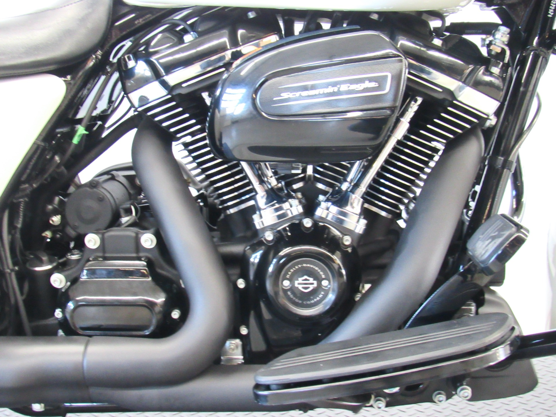 Used 2018 Harley Davidson Road Glide Special Bonneville Salt Pearl Motorcycles In Fredericksburg Va 10037