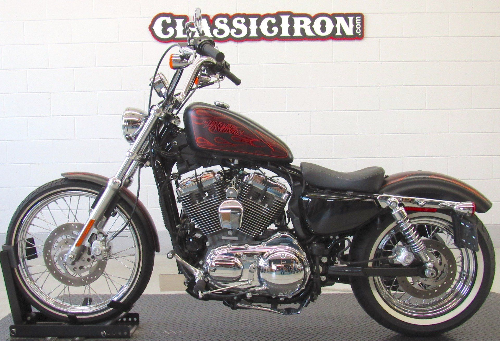2013 Harley-Davidson Sportster® Seventy-Two® in Fredericksburg, Virginia - Photo 4
