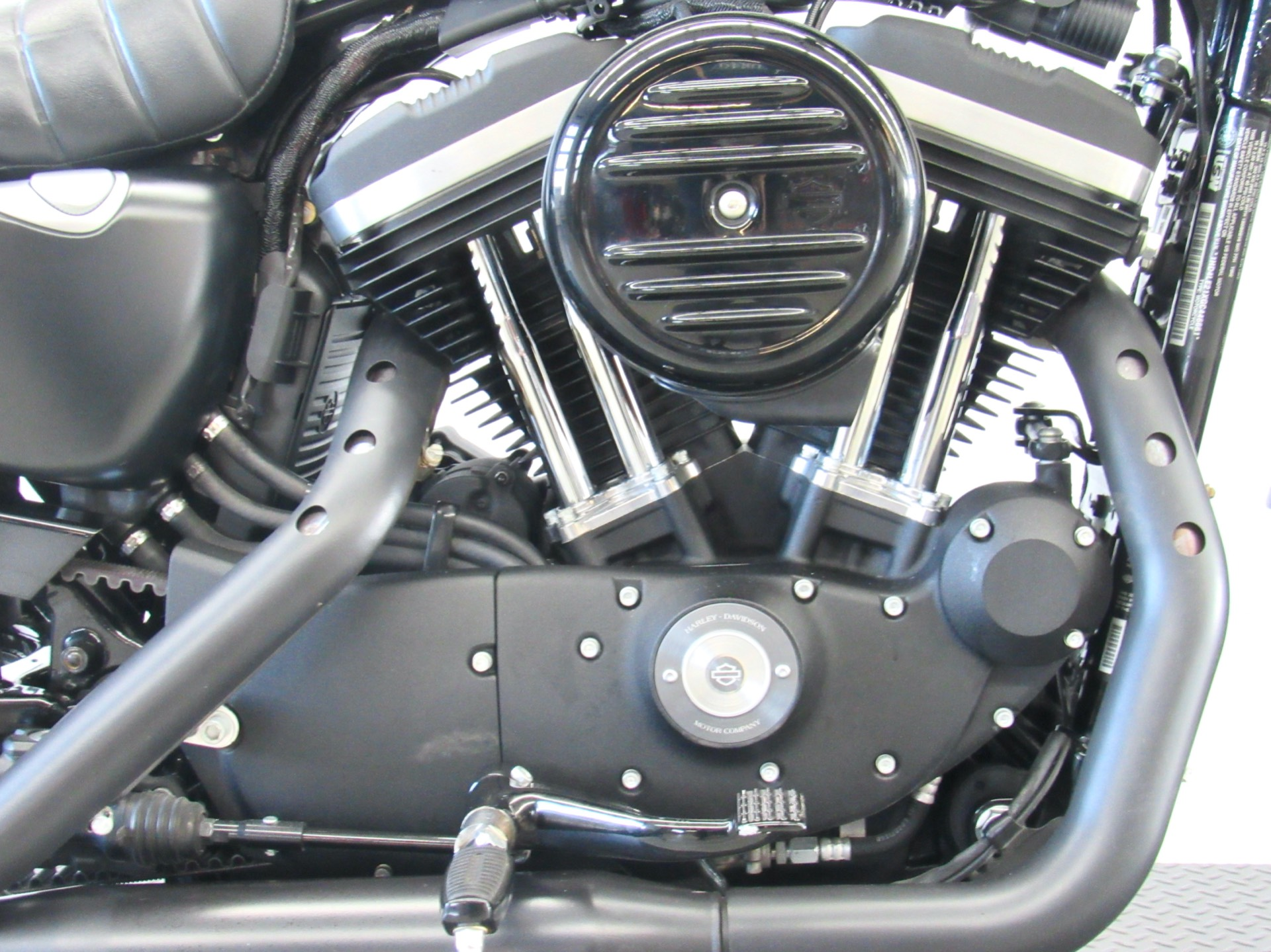 2016 Harley-Davidson Iron 883™ in Fredericksburg, Virginia - Photo 12