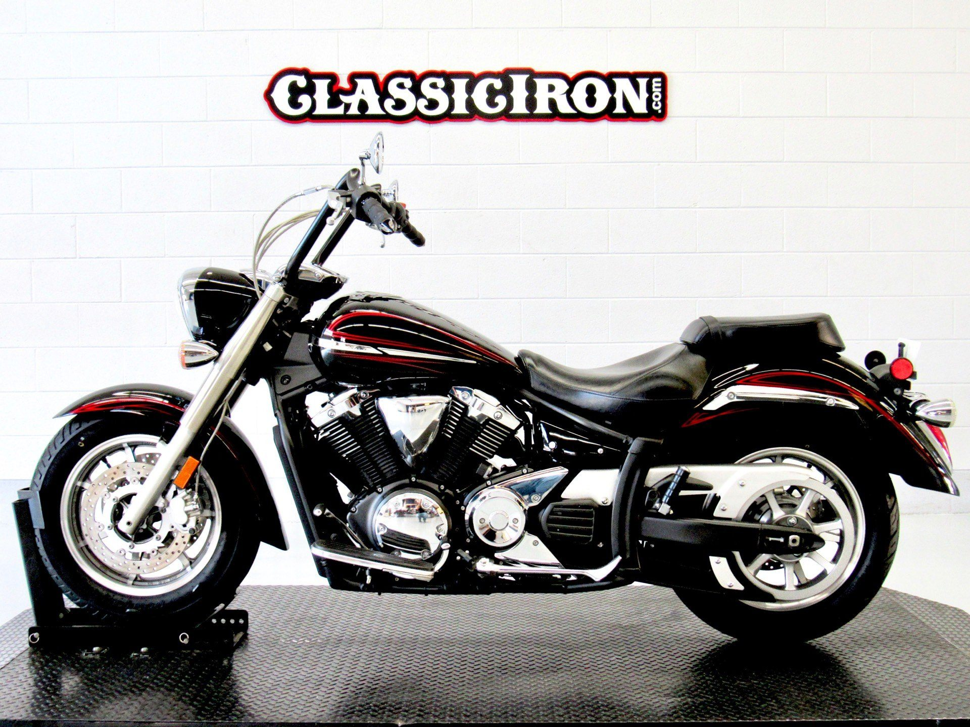2009 Yamaha V Star 1300 in Fredericksburg, Virginia - Photo 4