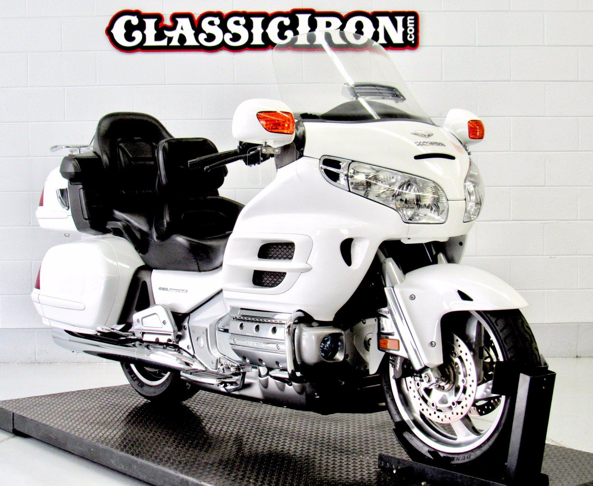 2005 Honda Gold Wing® ABS in Fredericksburg, Virginia - Photo 2