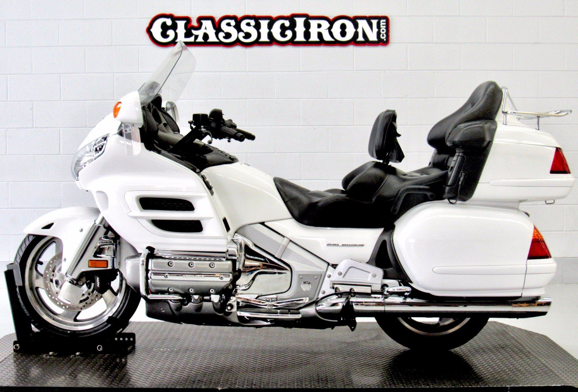 2005 Honda Gold Wing® ABS in Fredericksburg, Virginia - Photo 4