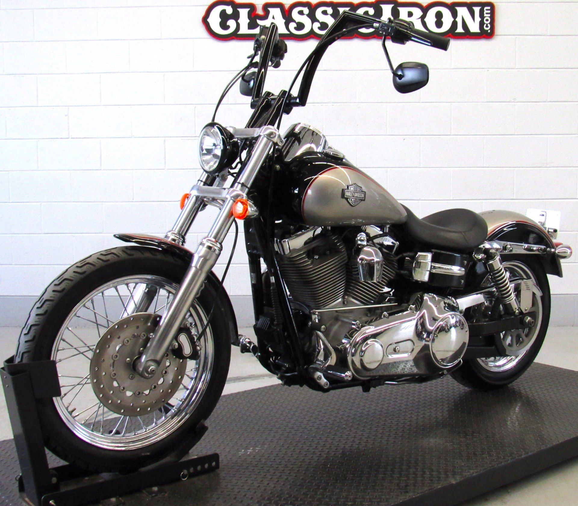 2009 Harley-Davidson Dyna® Super Glide® Custom in Fredericksburg, Virginia - Photo 3