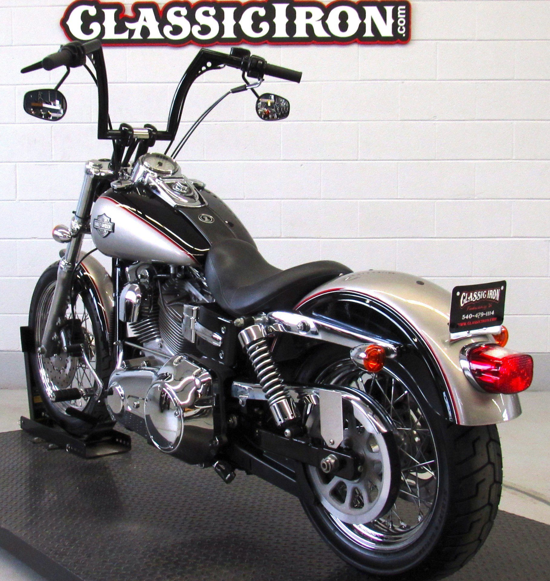 2009 Harley-Davidson Dyna® Super Glide® Custom in Fredericksburg, Virginia - Photo 6