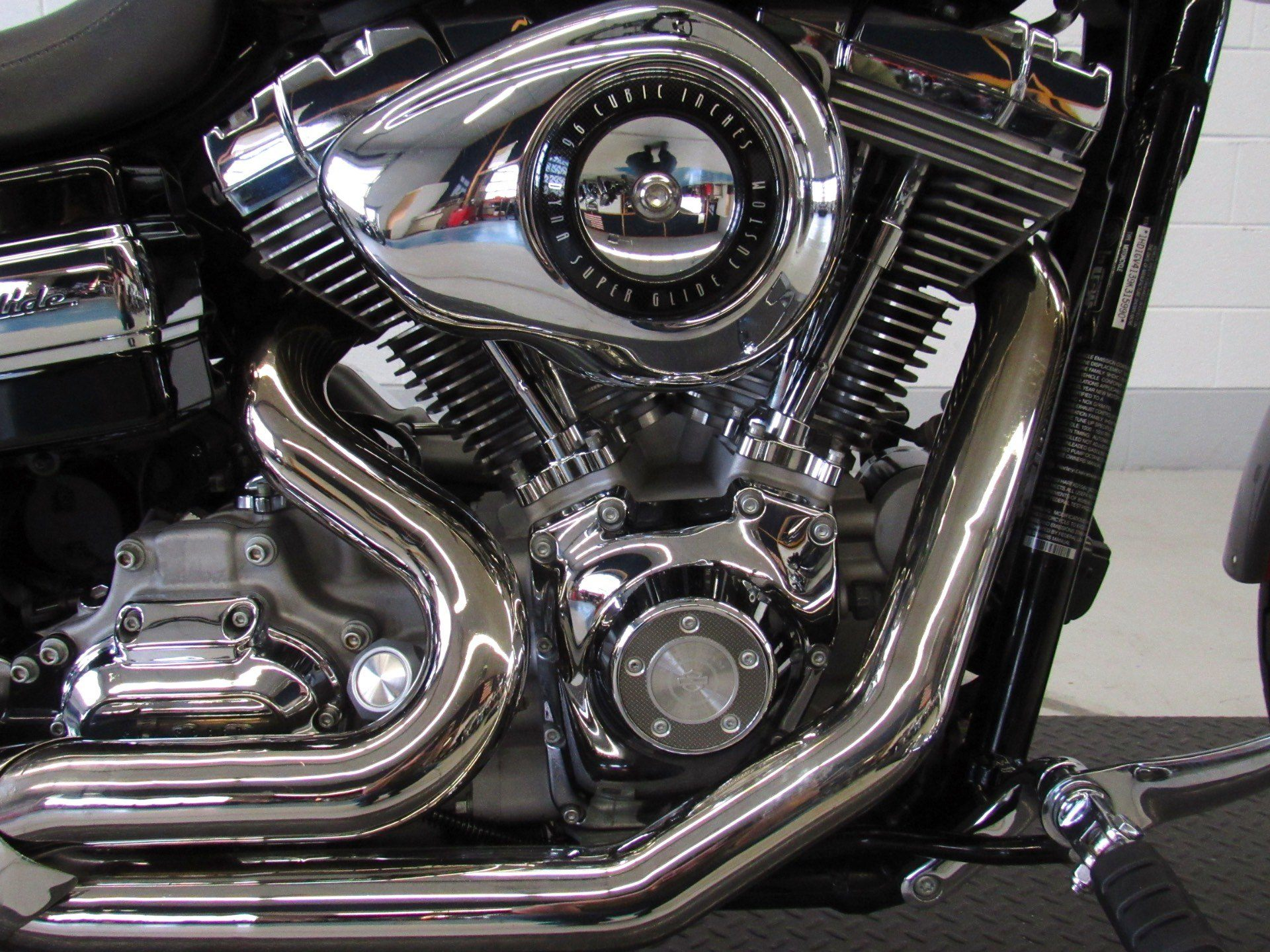 2009 Harley-Davidson Dyna® Super Glide® Custom in Fredericksburg, Virginia - Photo 14