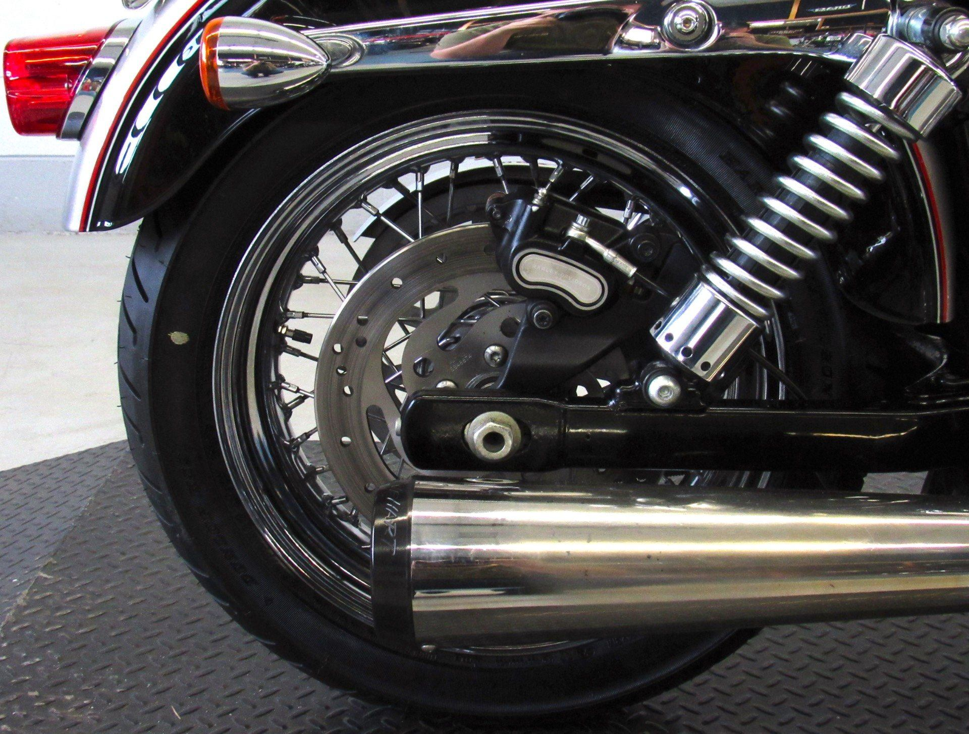 2009 Harley-Davidson Dyna® Super Glide® Custom in Fredericksburg, Virginia - Photo 15