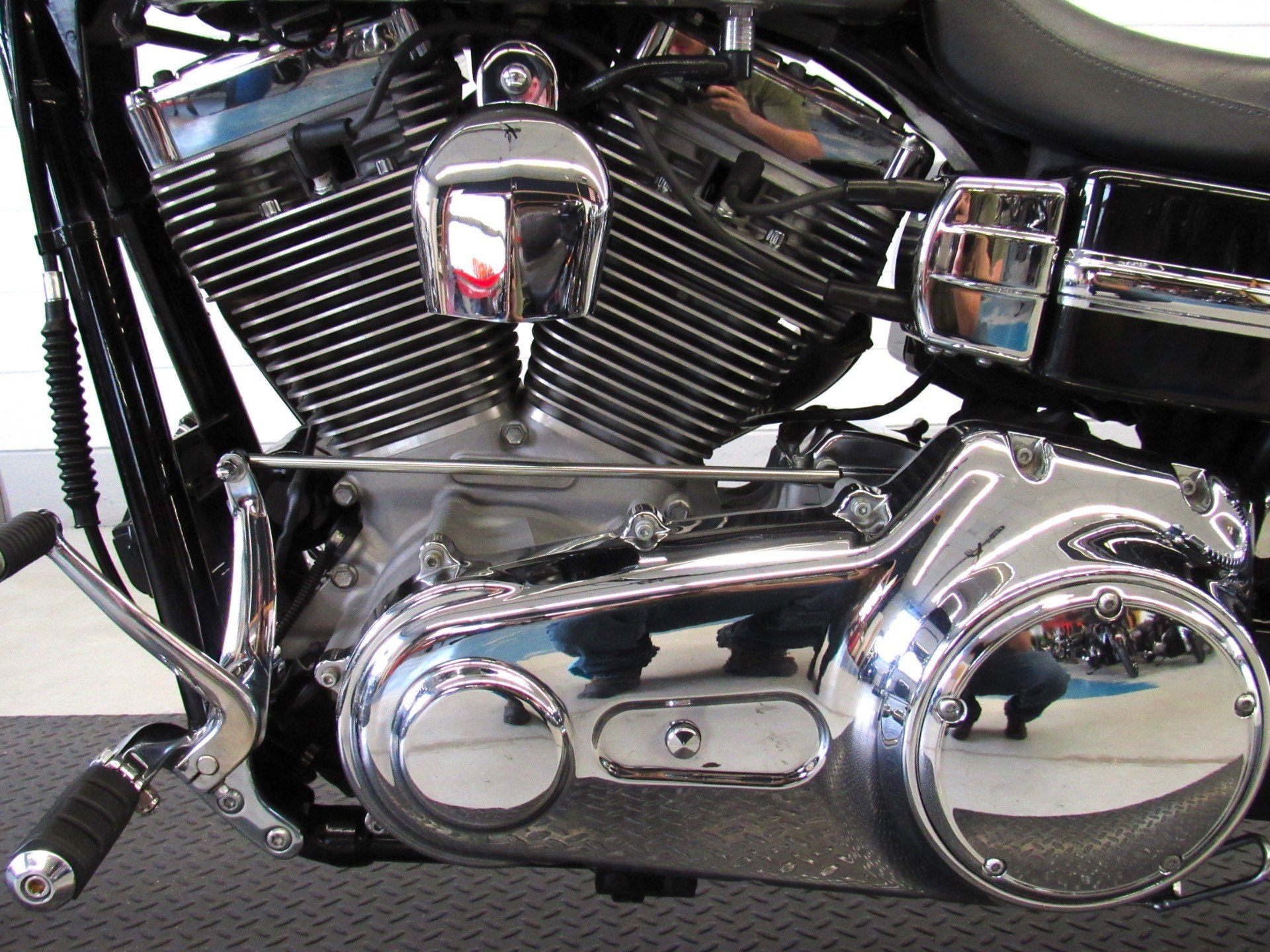 2009 Harley-Davidson Dyna® Super Glide® Custom in Fredericksburg, Virginia - Photo 19