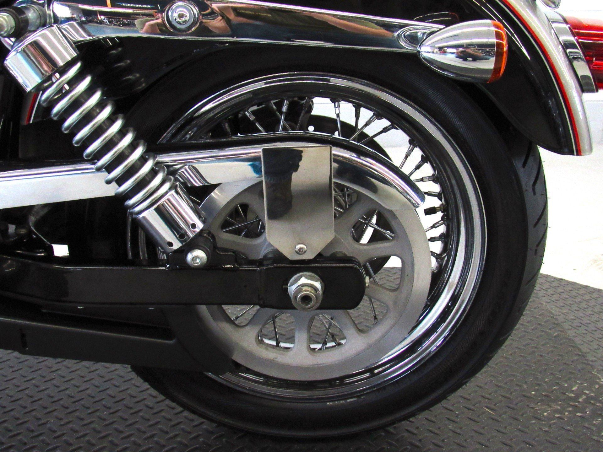 2009 Harley-Davidson Dyna® Super Glide® Custom in Fredericksburg, Virginia - Photo 22