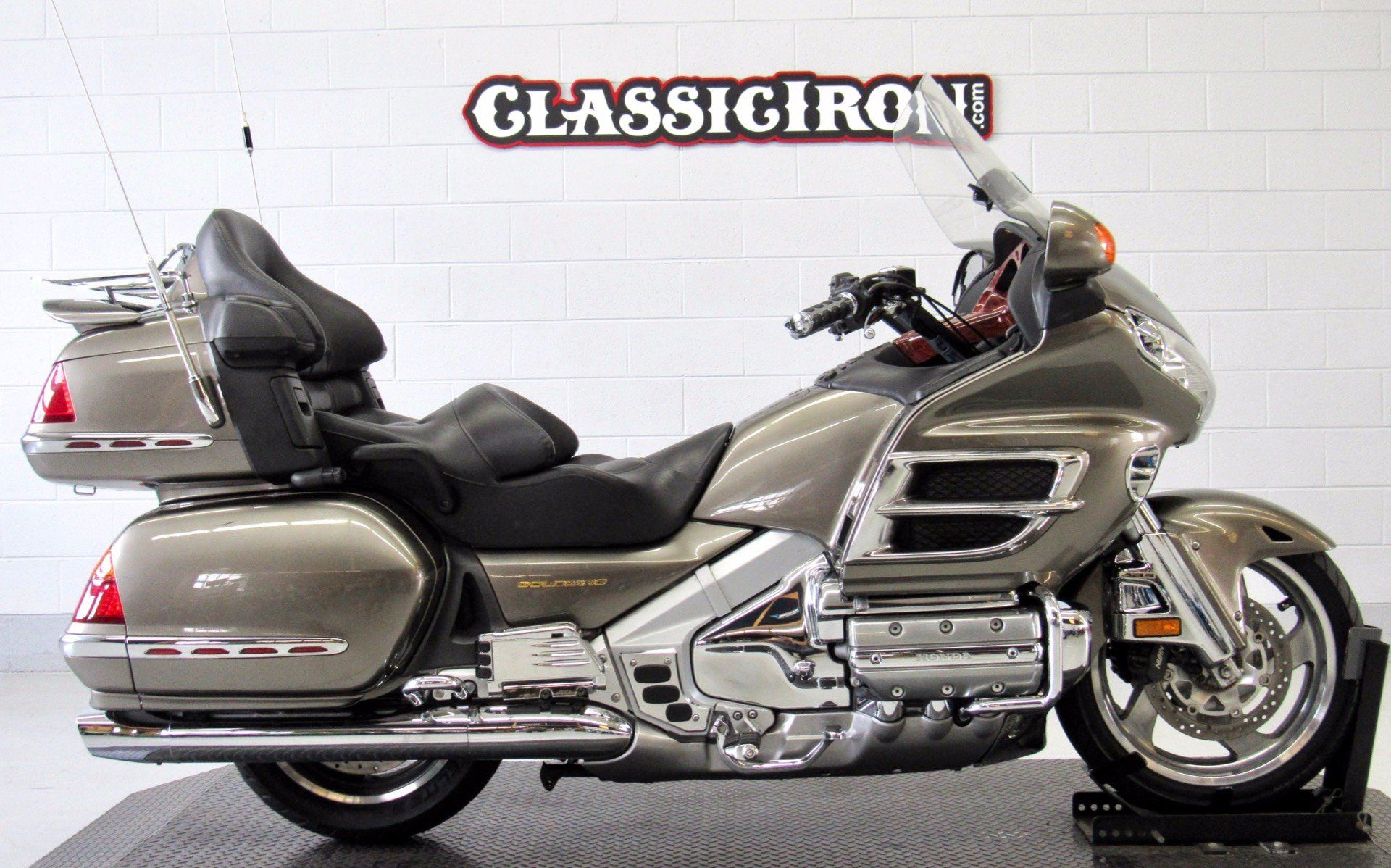 2004 Honda Gold Wing ABS in Fredericksburg, Virginia - Photo 1