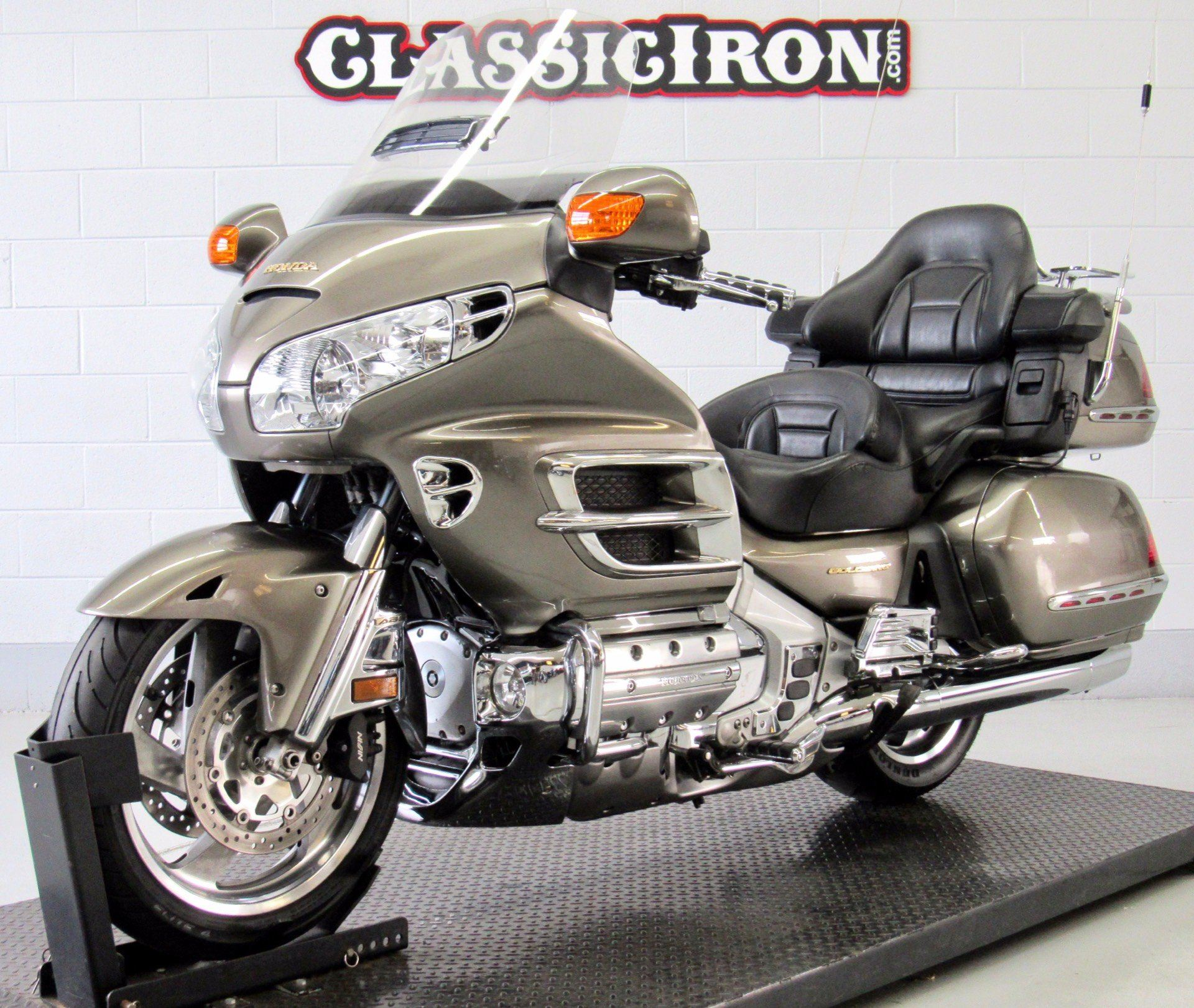 2004 Honda Gold Wing ABS in Fredericksburg, Virginia - Photo 3