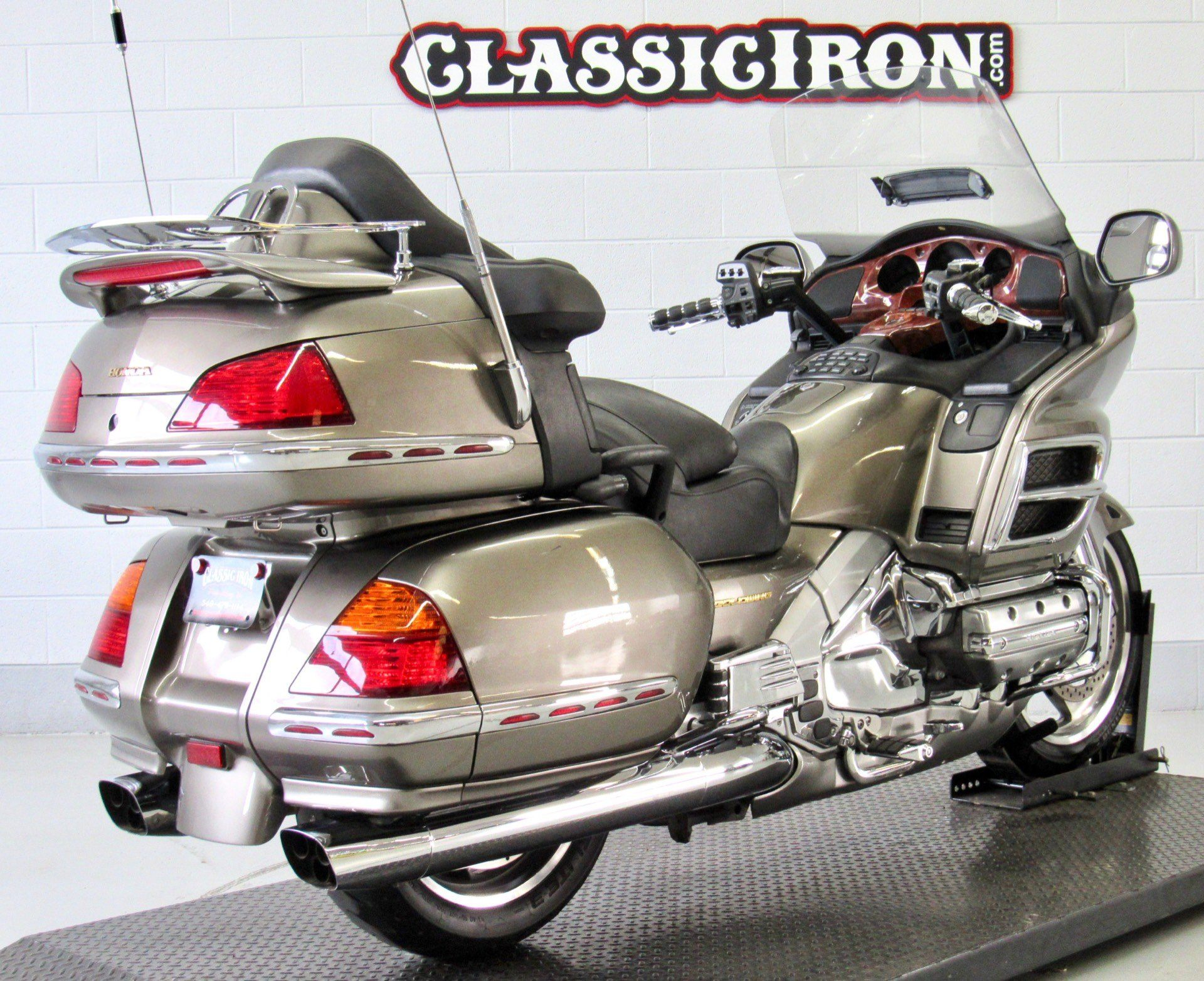 2004 Honda Gold Wing ABS in Fredericksburg, Virginia - Photo 5