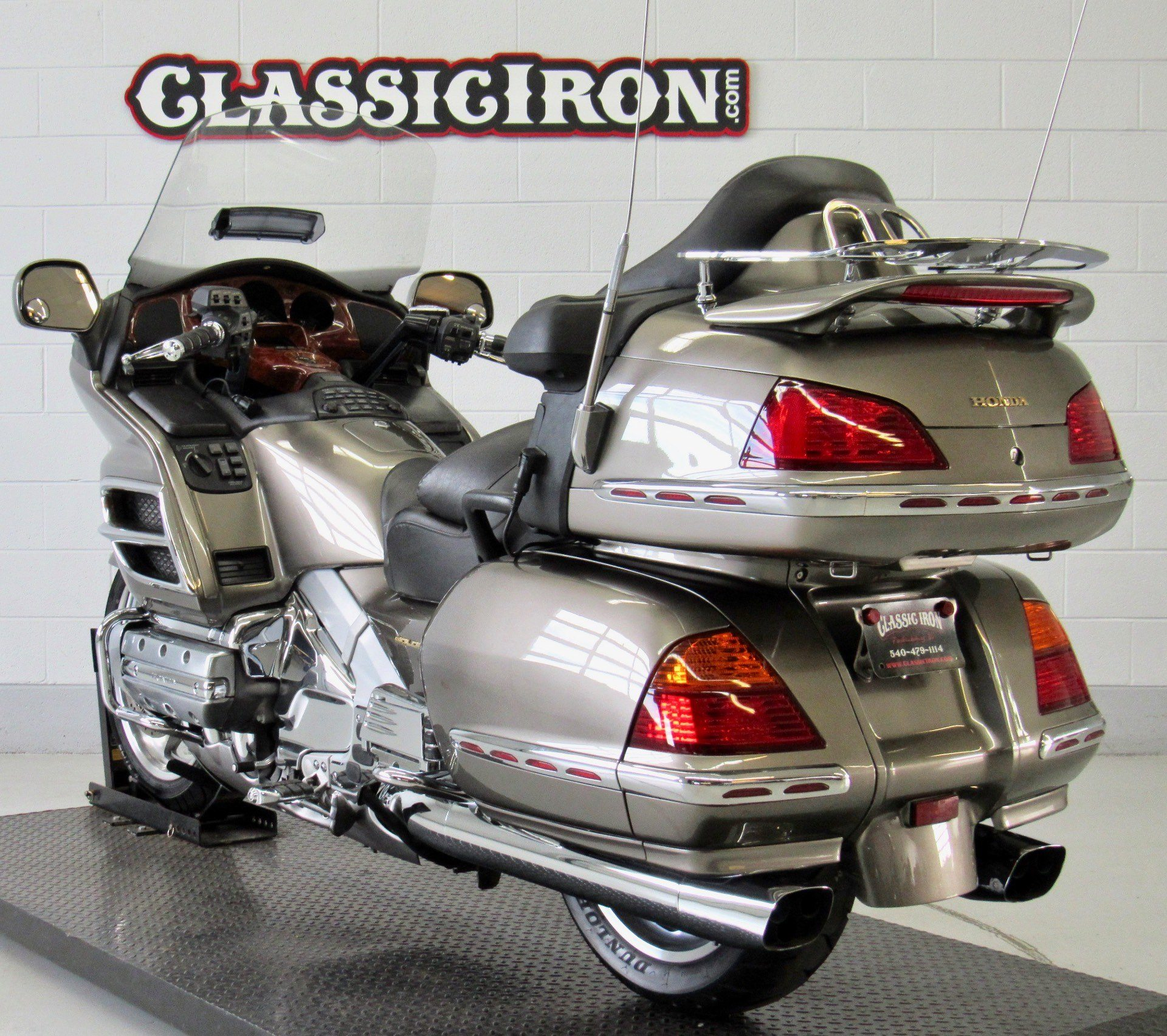 2004 Honda Gold Wing ABS in Fredericksburg, Virginia - Photo 6
