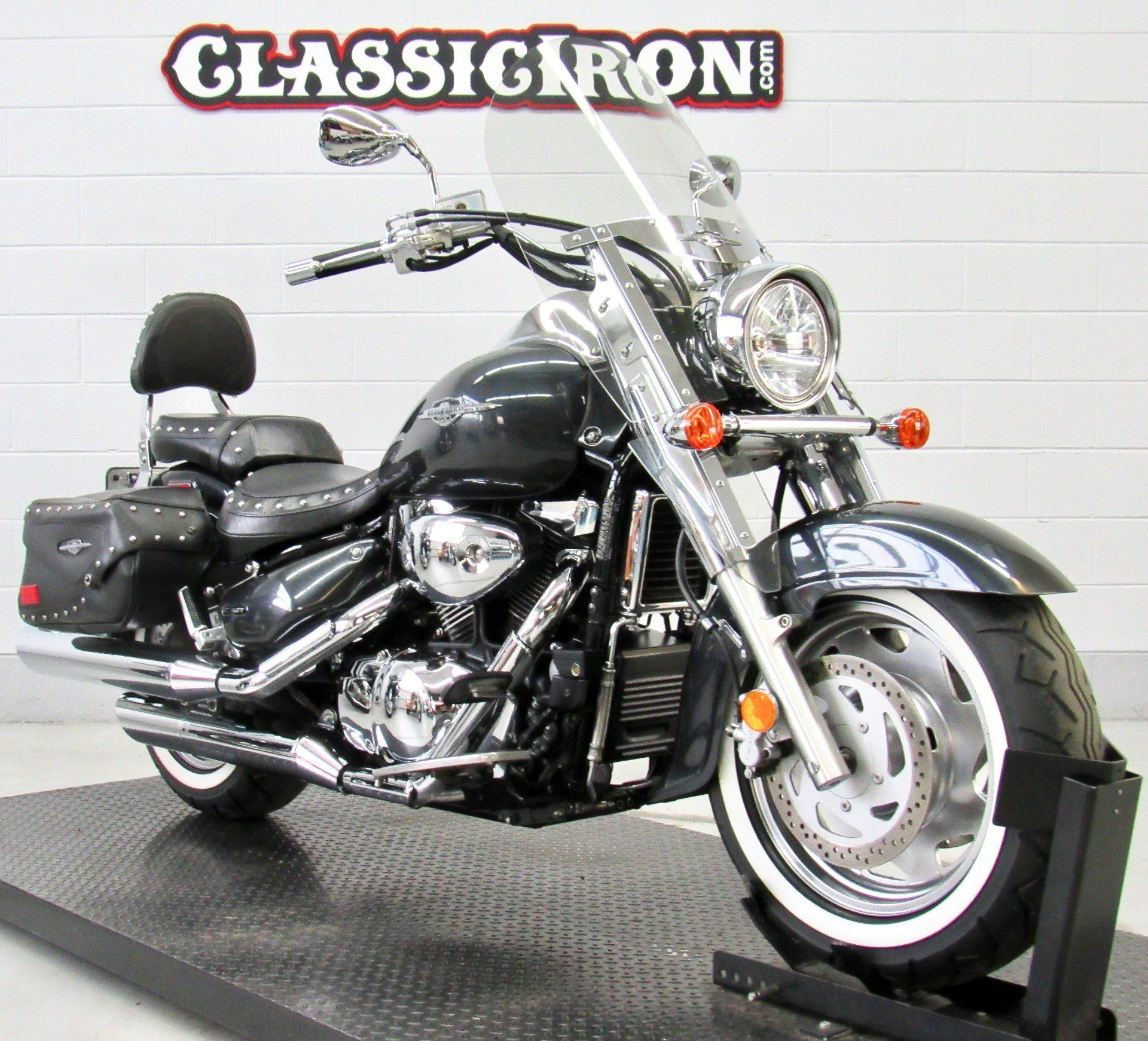 2006 Suzuki Boulevard C90T in Fredericksburg, Virginia - Photo 2