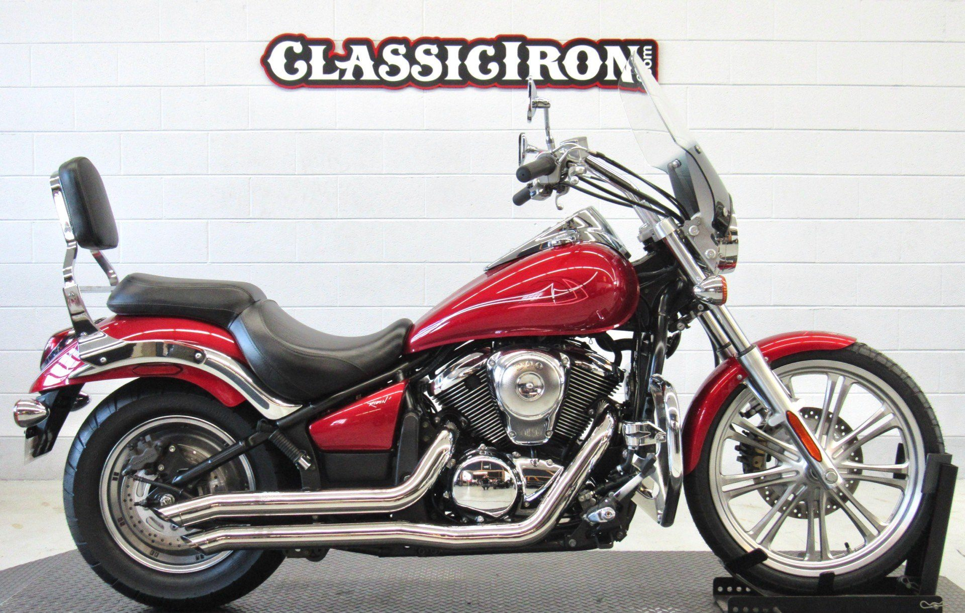 2007 Kawasaki Vulcan® 900 Custom in Fredericksburg, Virginia - Photo 1